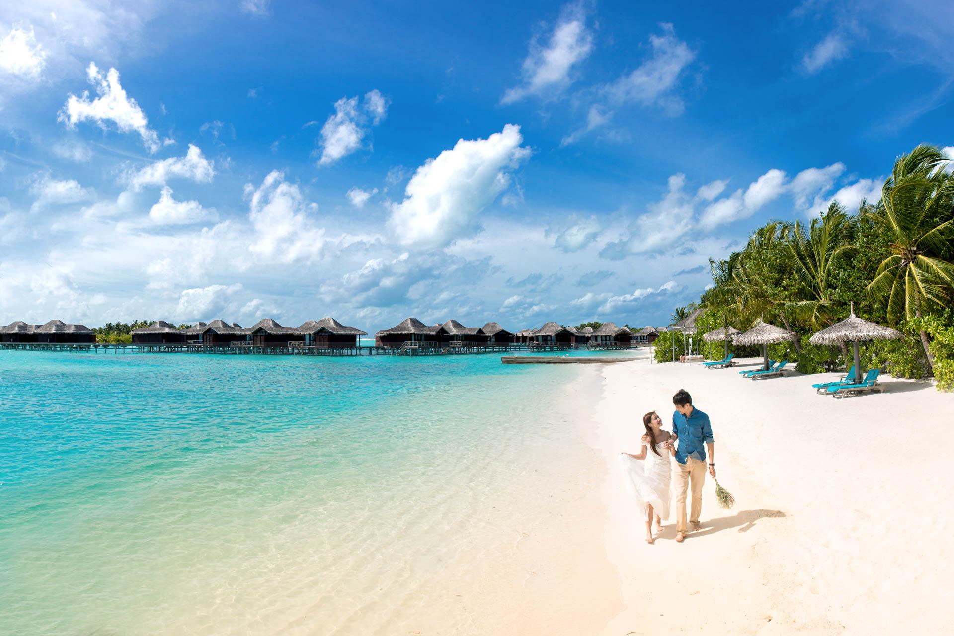 Charmy and Samson Honeymoon Photoshoot at Anantara Dhigu Veli and Naladhu Resort in Maldives by Asads Photography 6