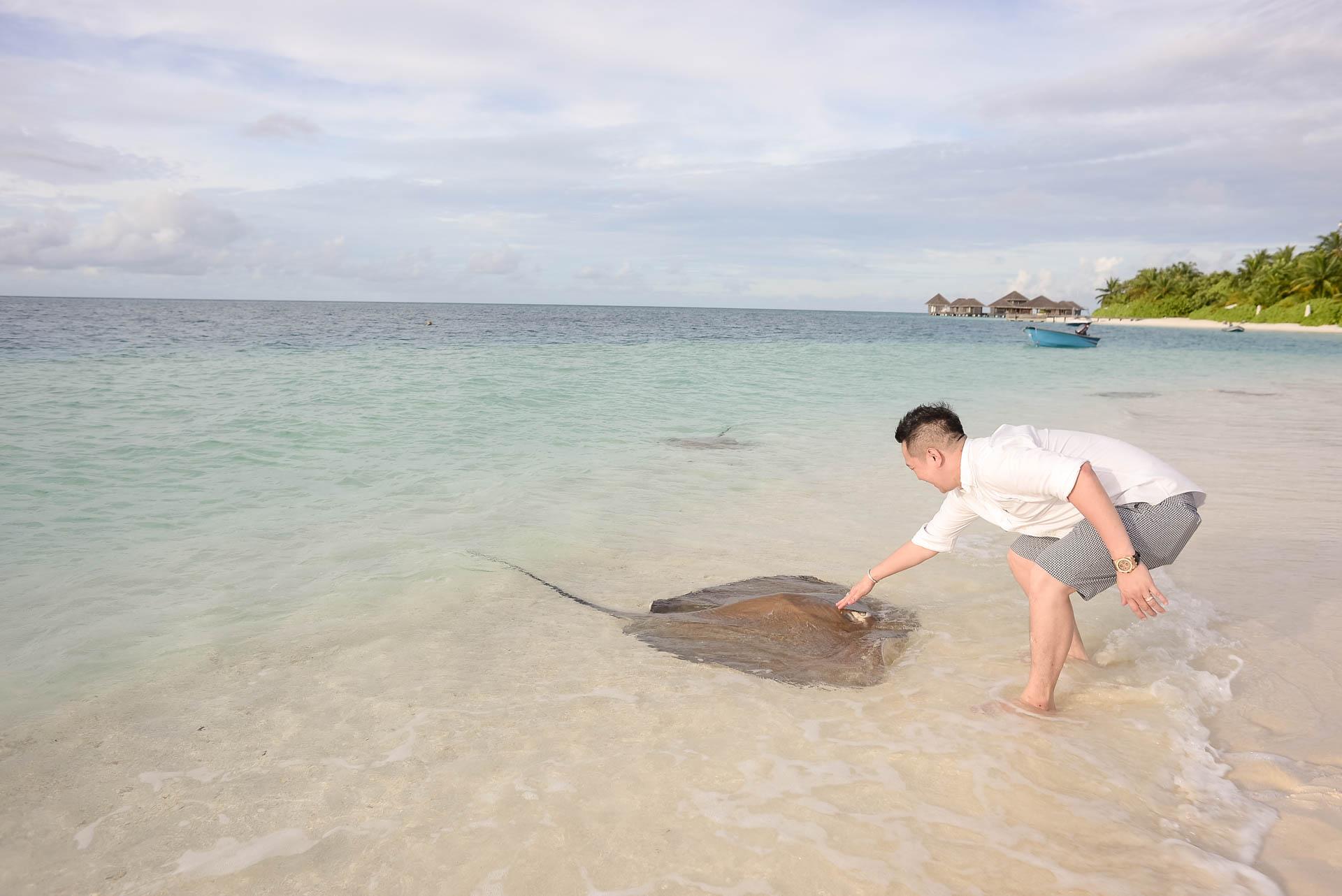 Chin Siew and Chin Yee Honeymoon in Maldives at Huvafen Fushi Resort Under Water Spa 31