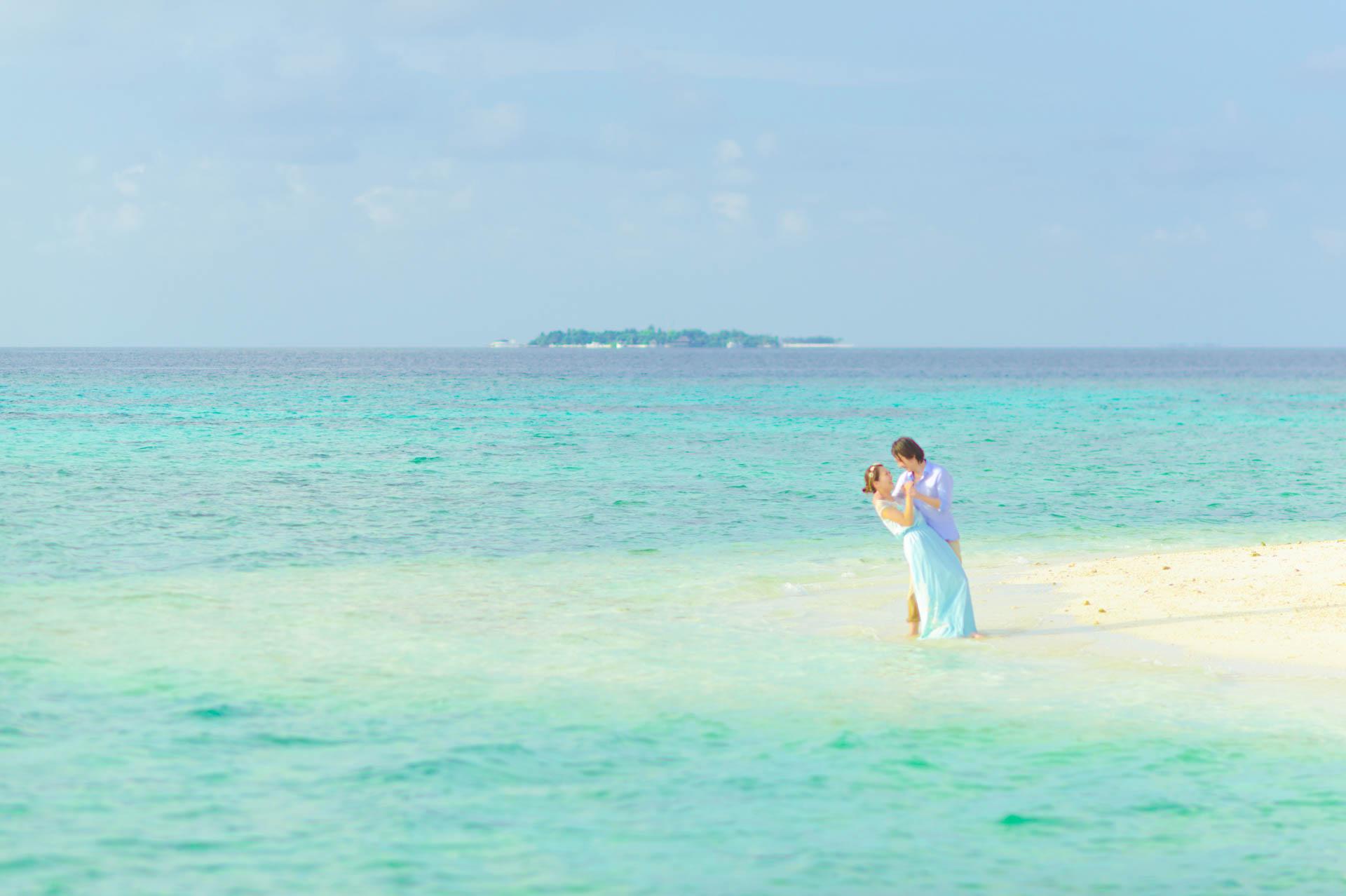 Devin and Natsuko Honeymoon at Makunudhoo Island Maldives 11
