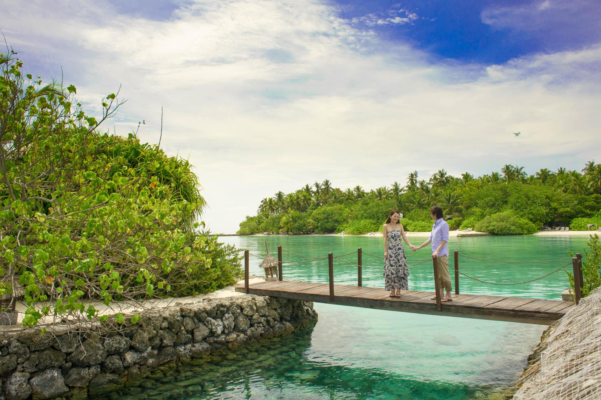 Devin and Natsuko Honeymoon at Makunudhoo Island Maldives 27