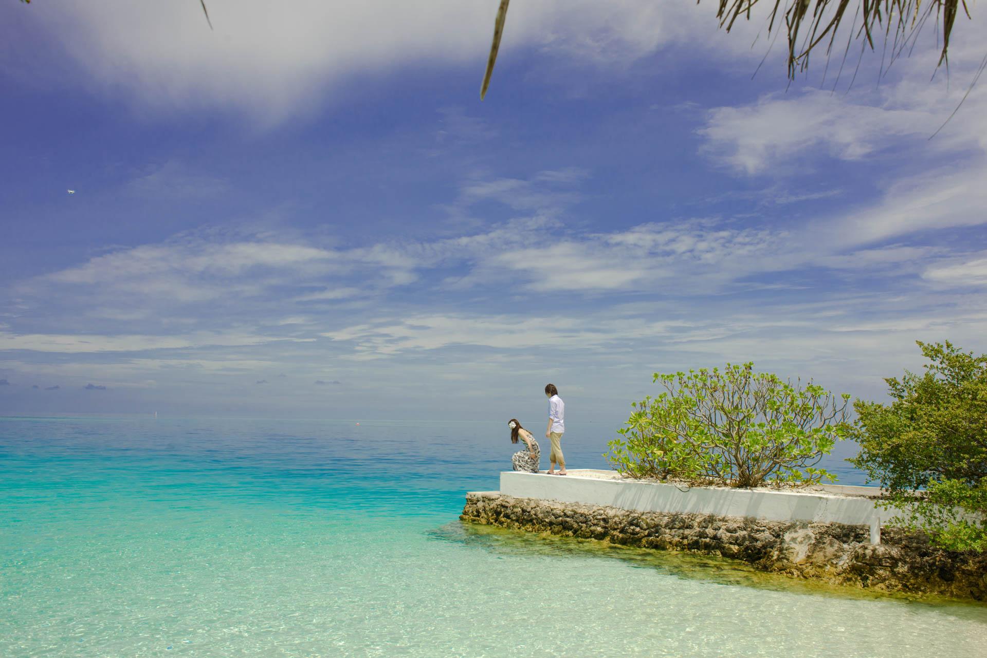 Devin and Natsuko Honeymoon at Makunudhoo Island Maldives 28