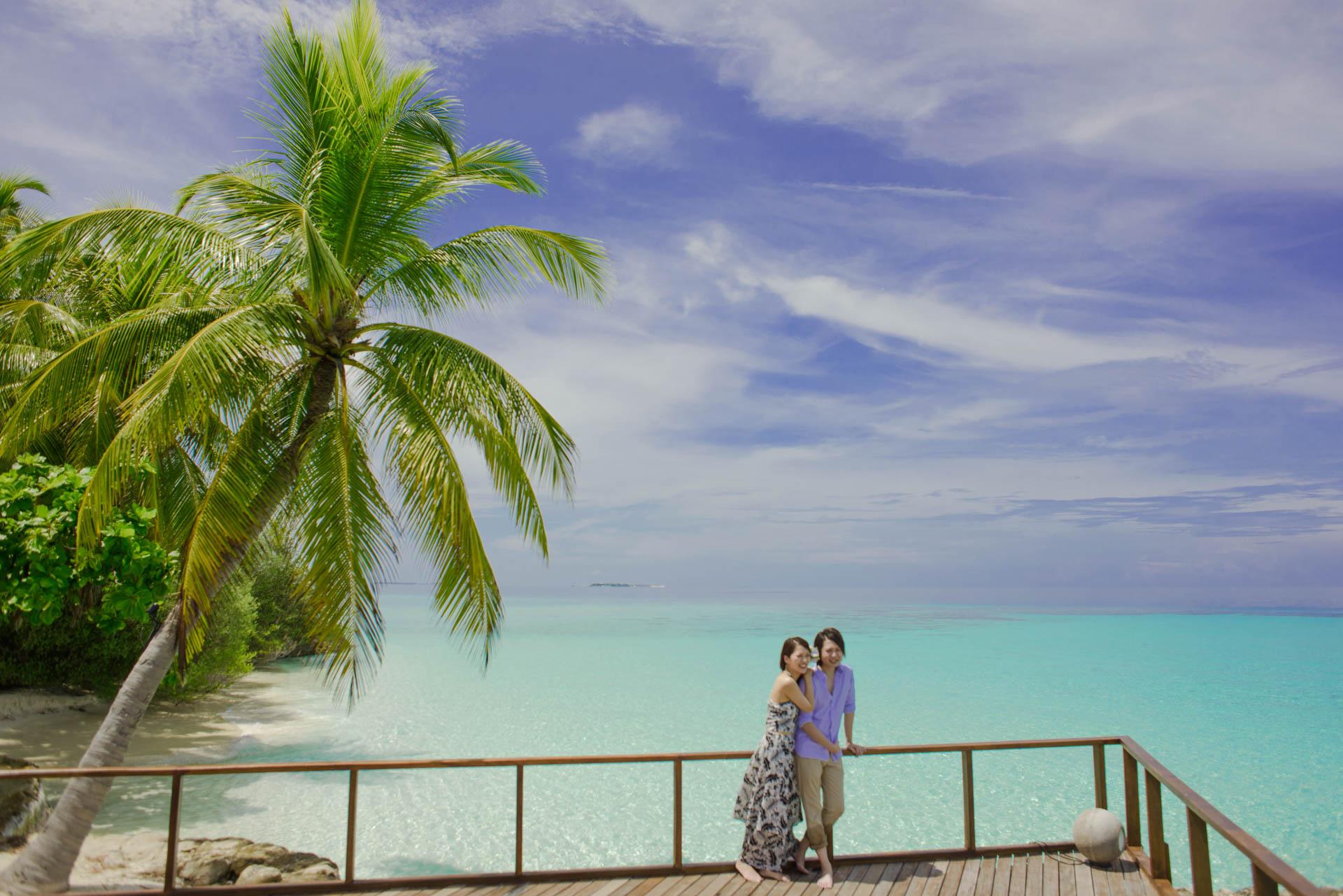 Devin and Natsuko Honeymoon at Makunudhoo Island Maldives 31