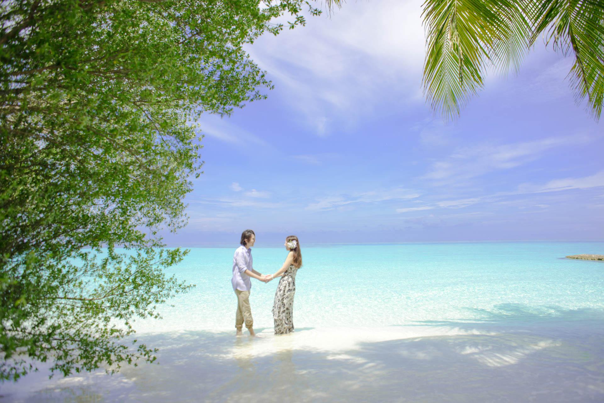 Devin and Natsuko Honeymoon at Makunudhoo Island Maldives 33