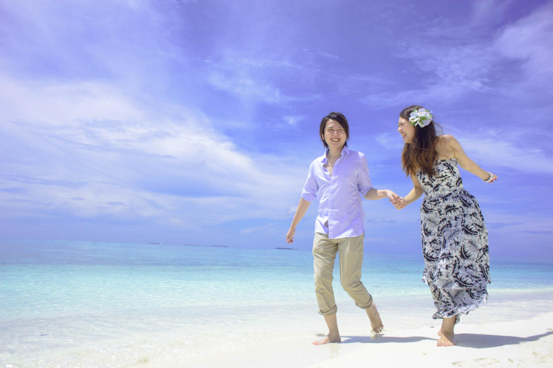 Devin and Natsuko Honeymoon at Makunudhoo Island Maldives 36
