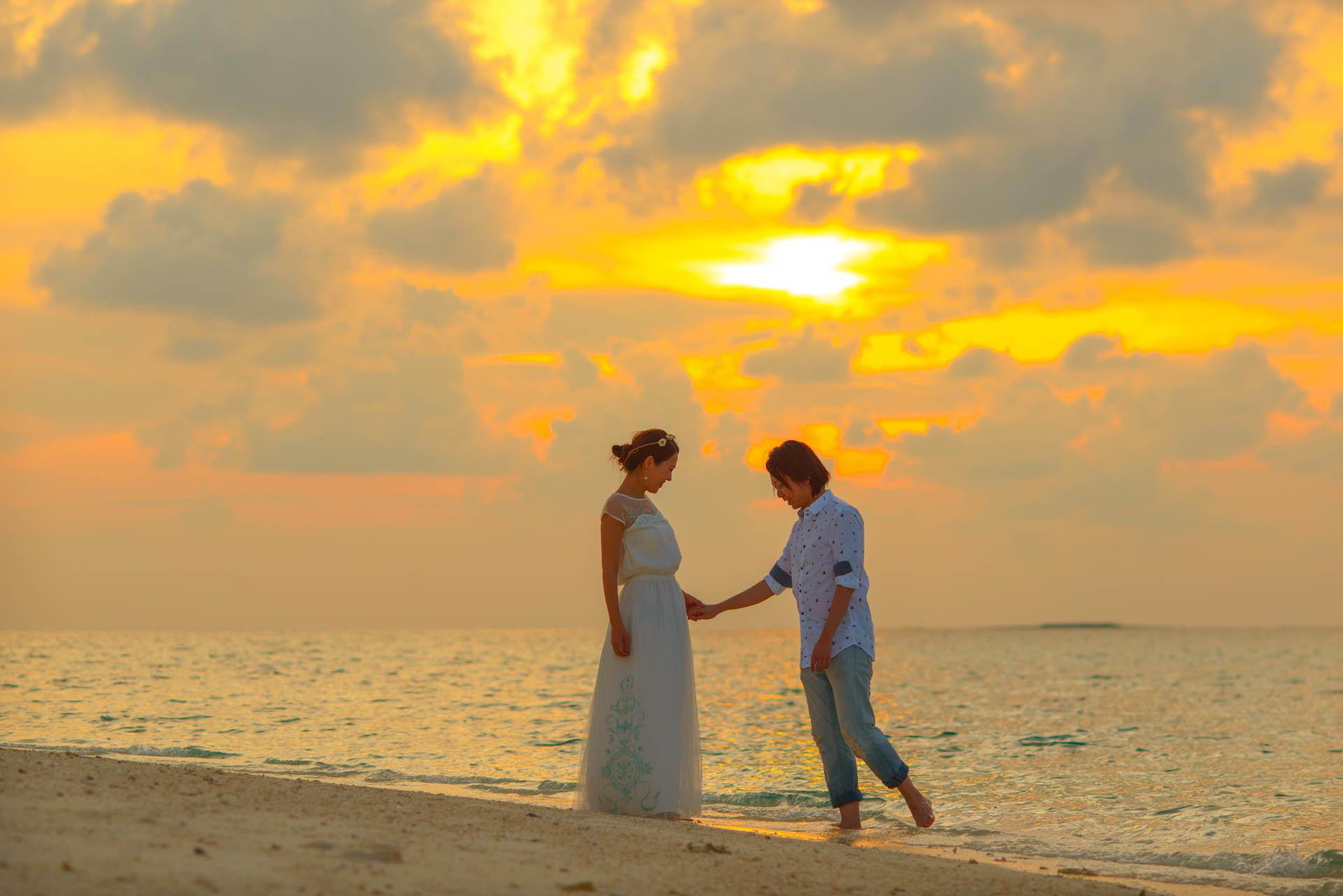Devin and Natsuko Honeymoon at Makunudhoo Island Maldives 4