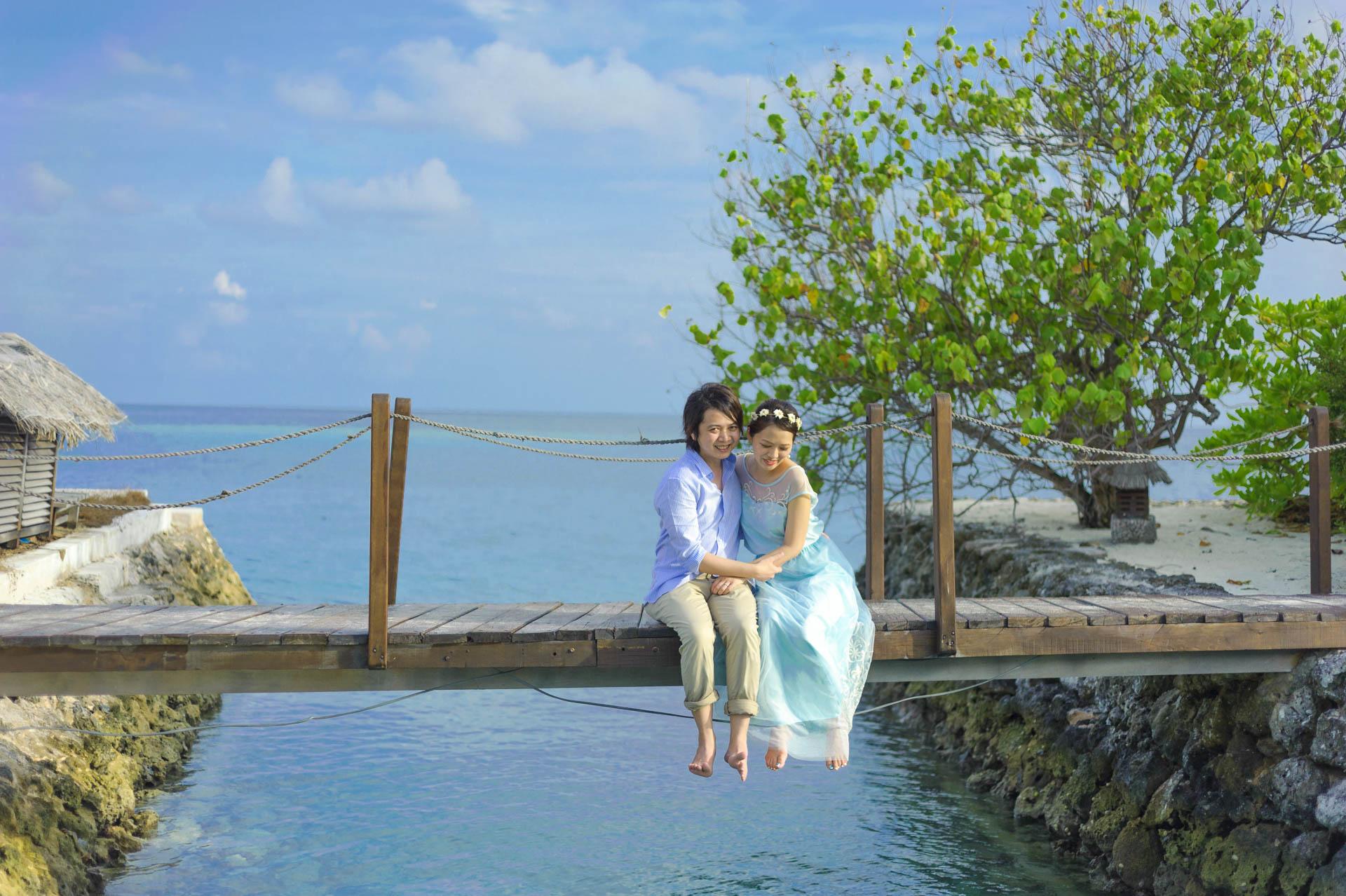 Devin and Natsuko Honeymoon at Makunudhoo Island Maldives 49