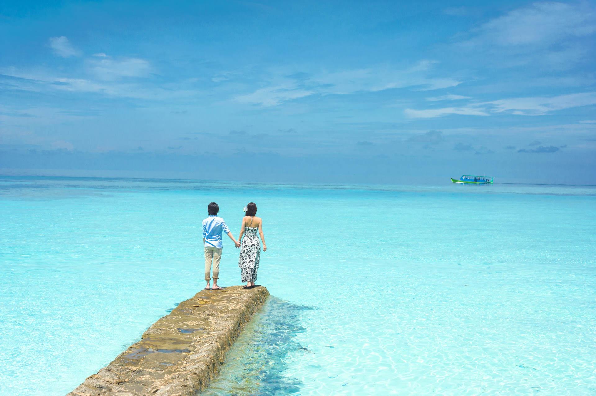 Devin and Natsuko Honeymoon at Makunudhoo Island Maldives 51