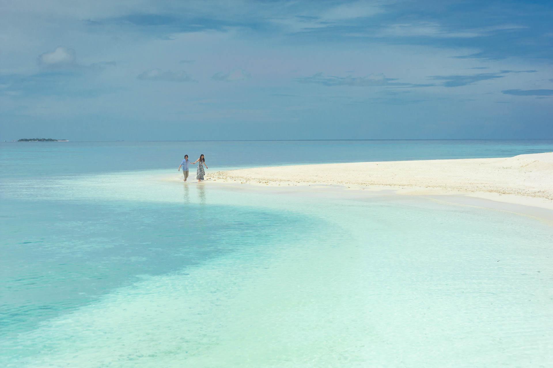 Devin and Natsuko Honeymoon at Makunudhoo Island Maldives 55