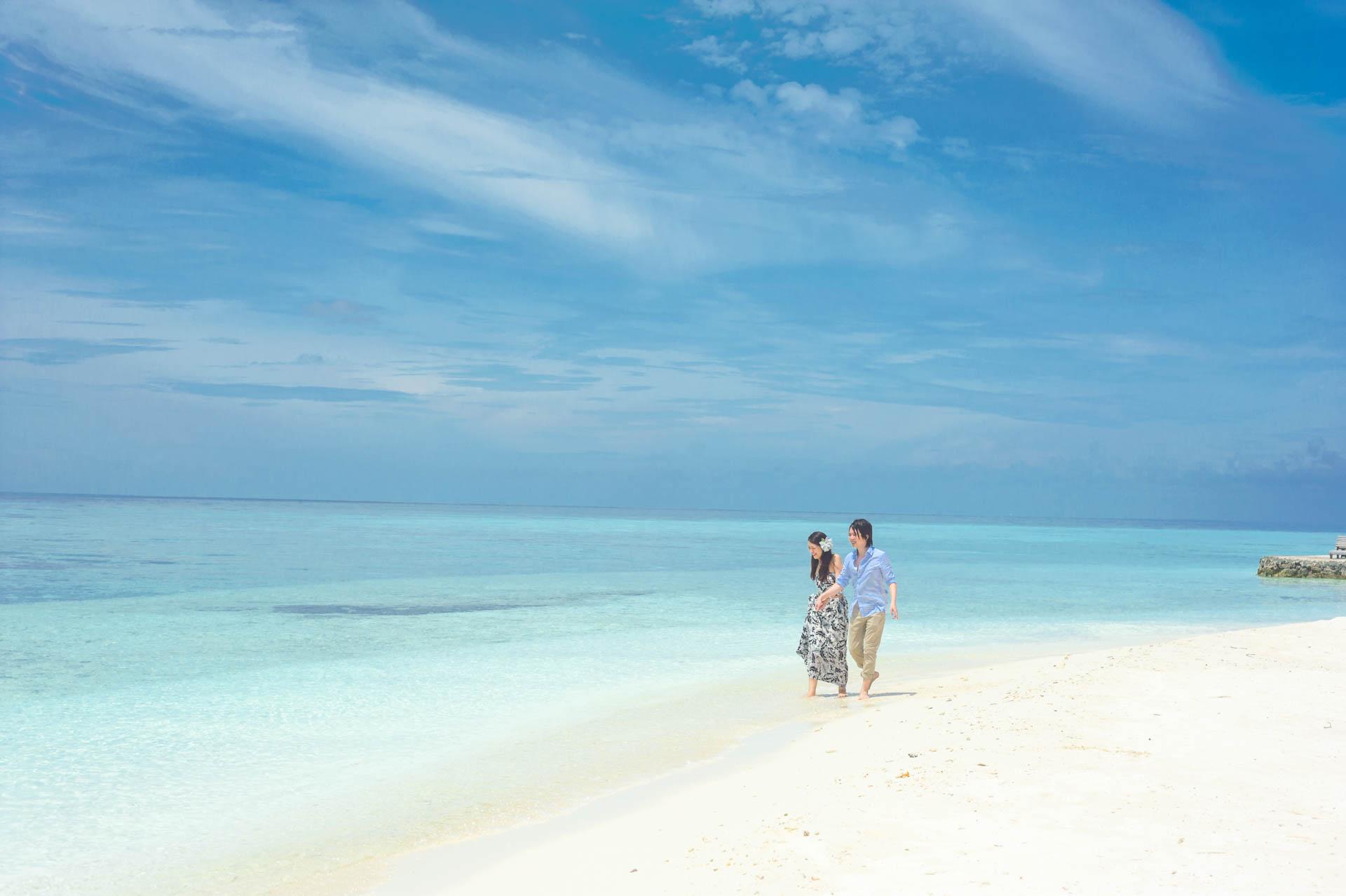Devin and Natsuko Honeymoon at Makunudhoo Island Maldives 56