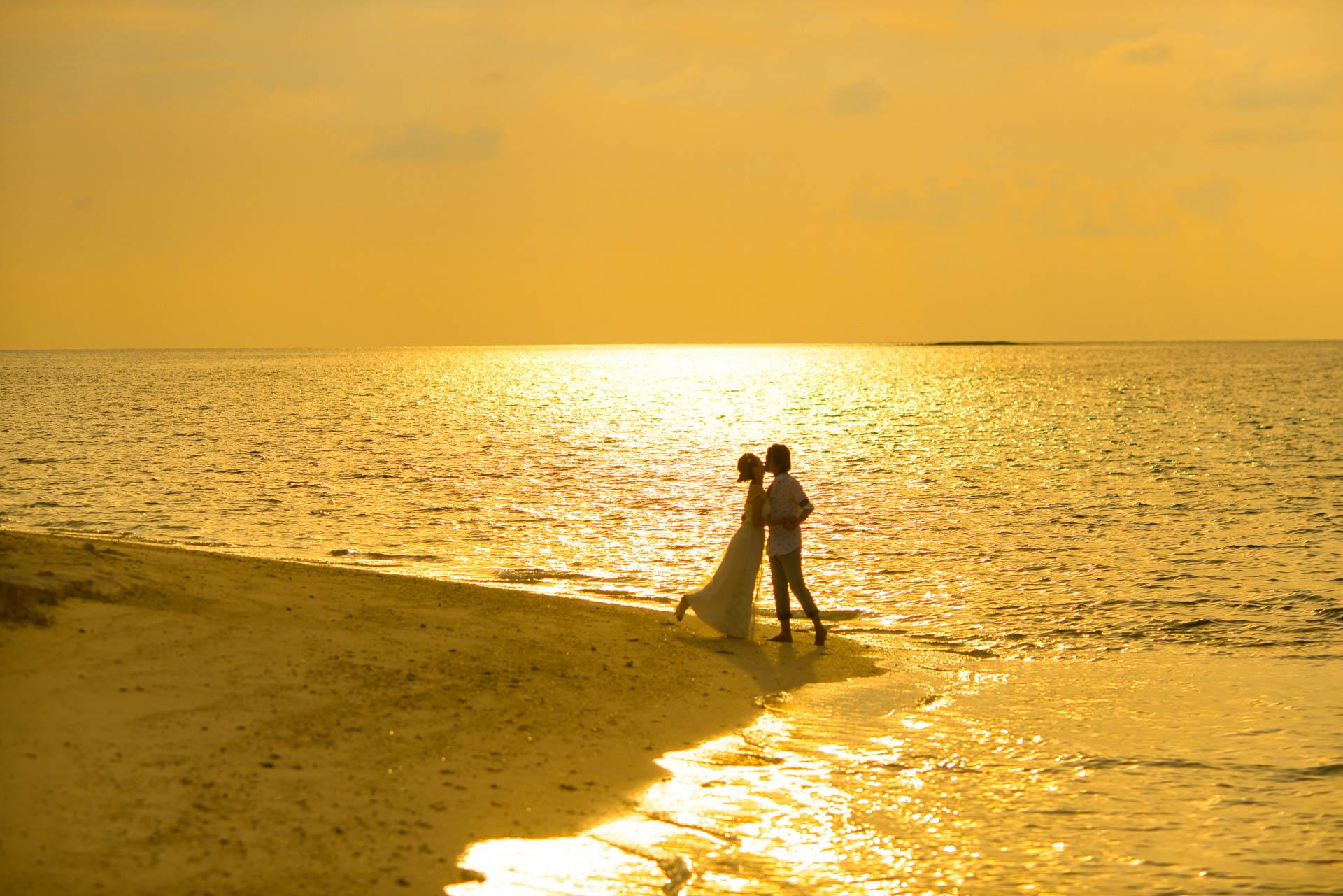 Devin and Natsuko Honeymoon at Makunudhoo Island Maldives 7