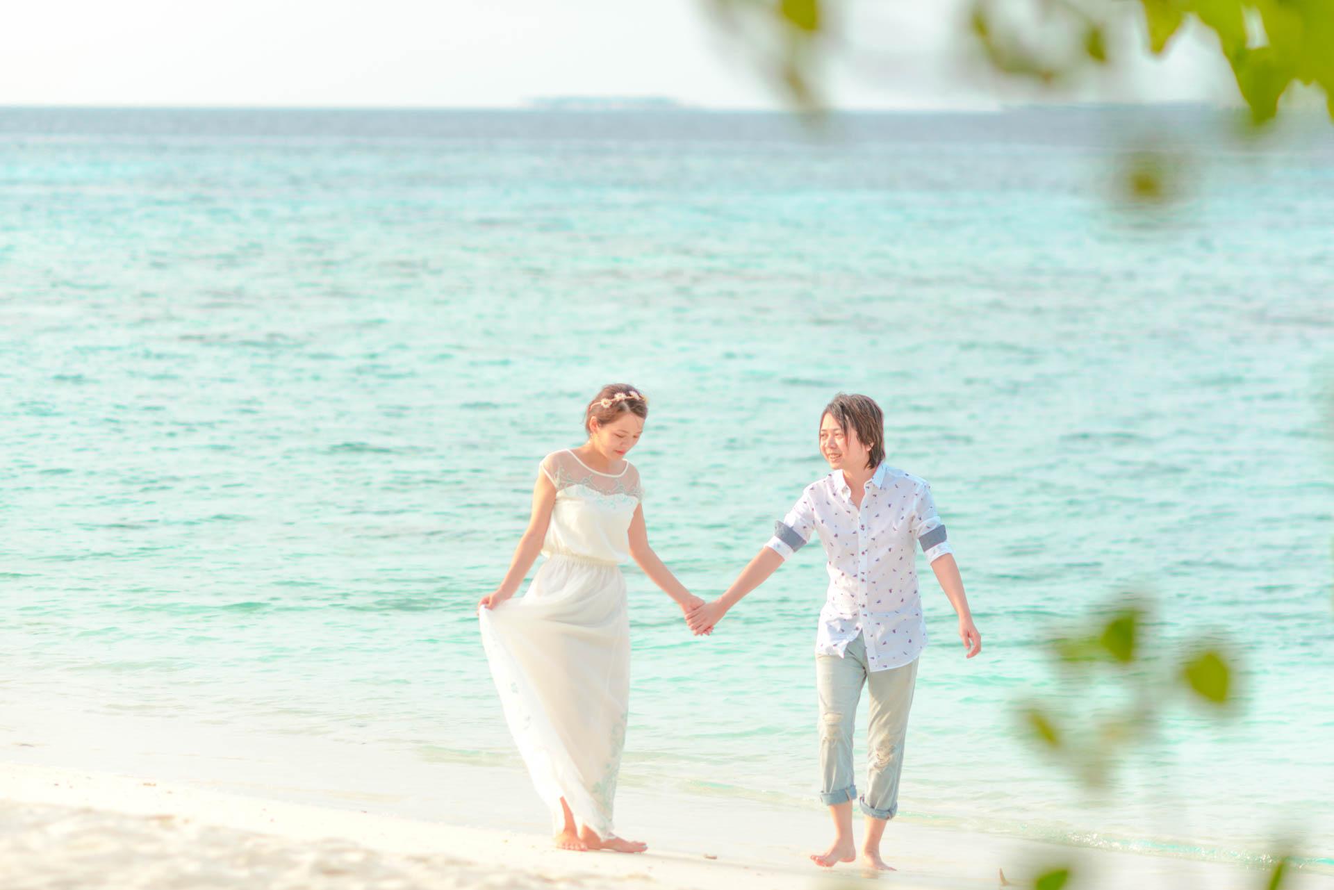 Devin and Natsuko Honeymoon at Makunudhoo Island Maldives 9