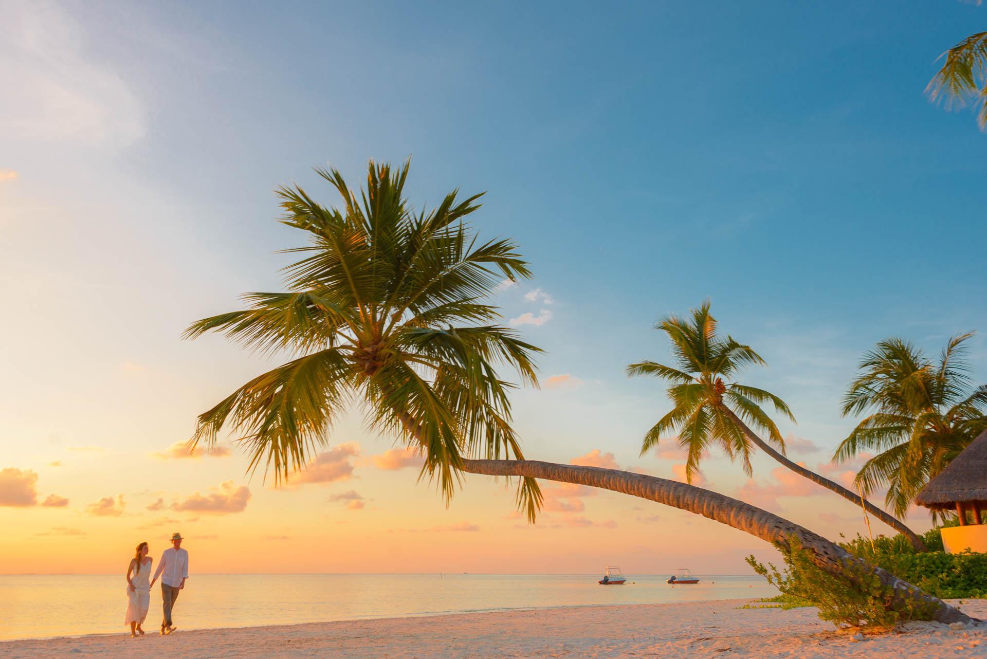 Heike Michaels Beach Wedding in Maldives 1