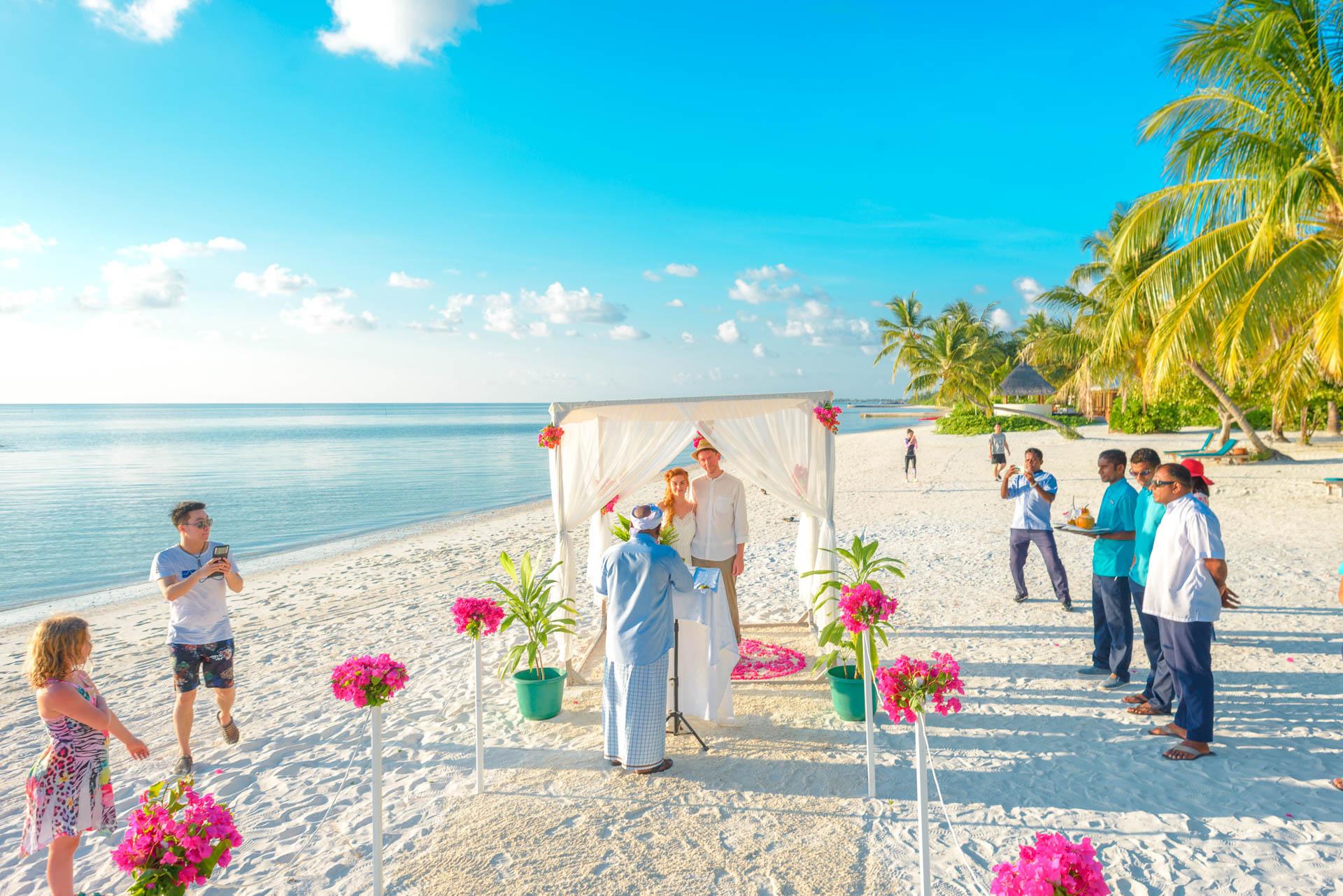 Heike Michaels Beach Wedding in Maldives 17