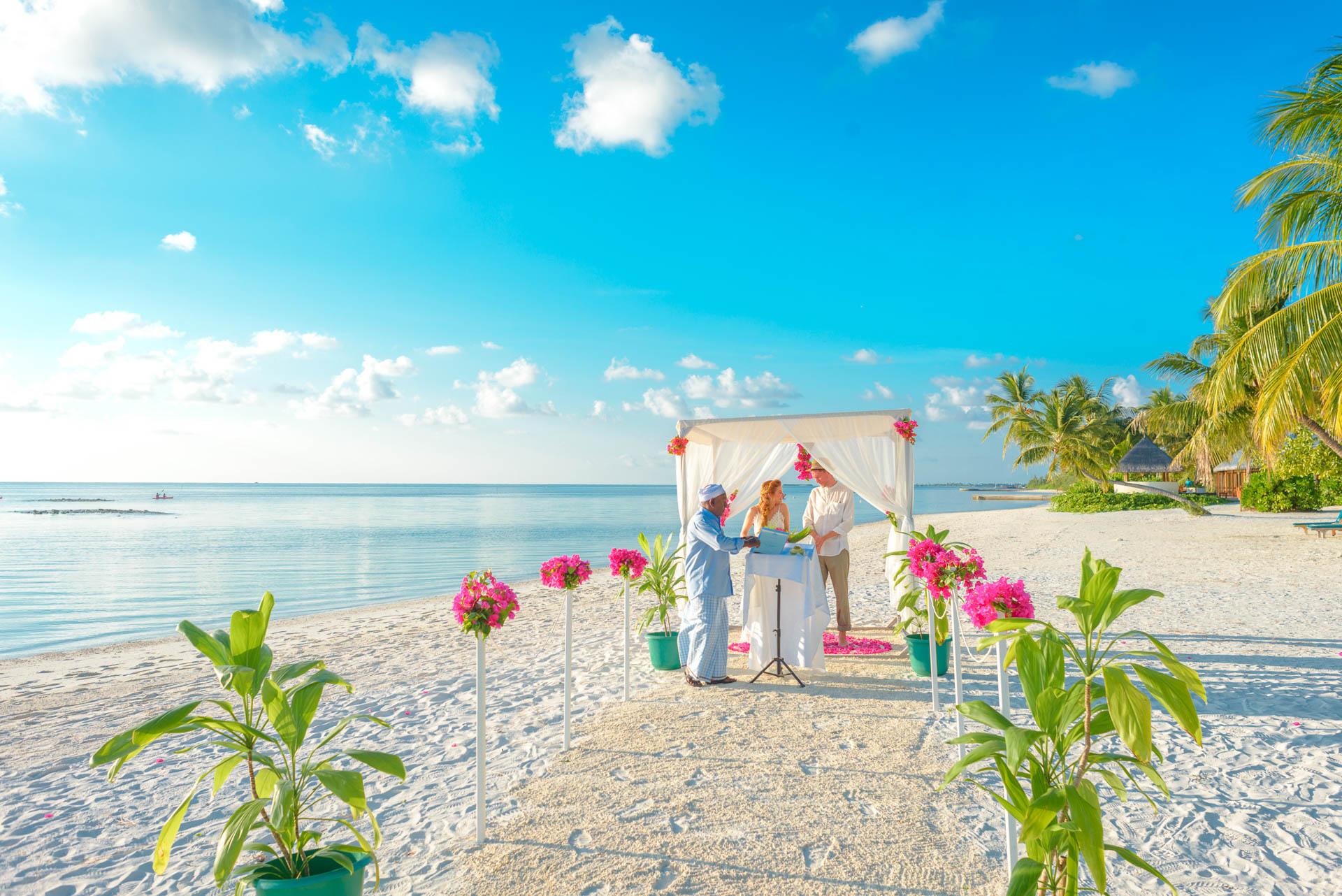 Heike Michaels Beach Wedding in Maldives 23