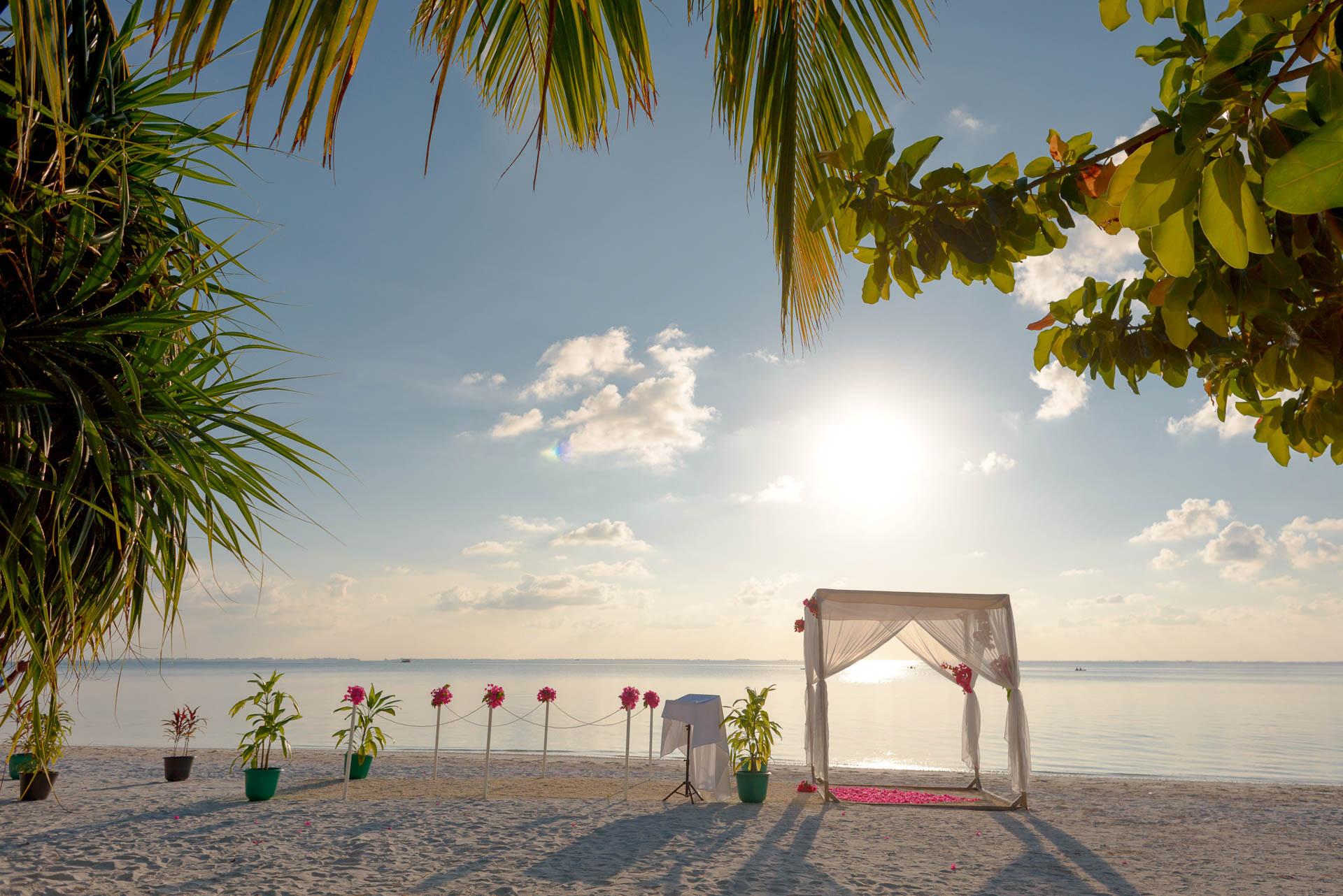 Heike Michaels Beach Wedding in Maldives 29