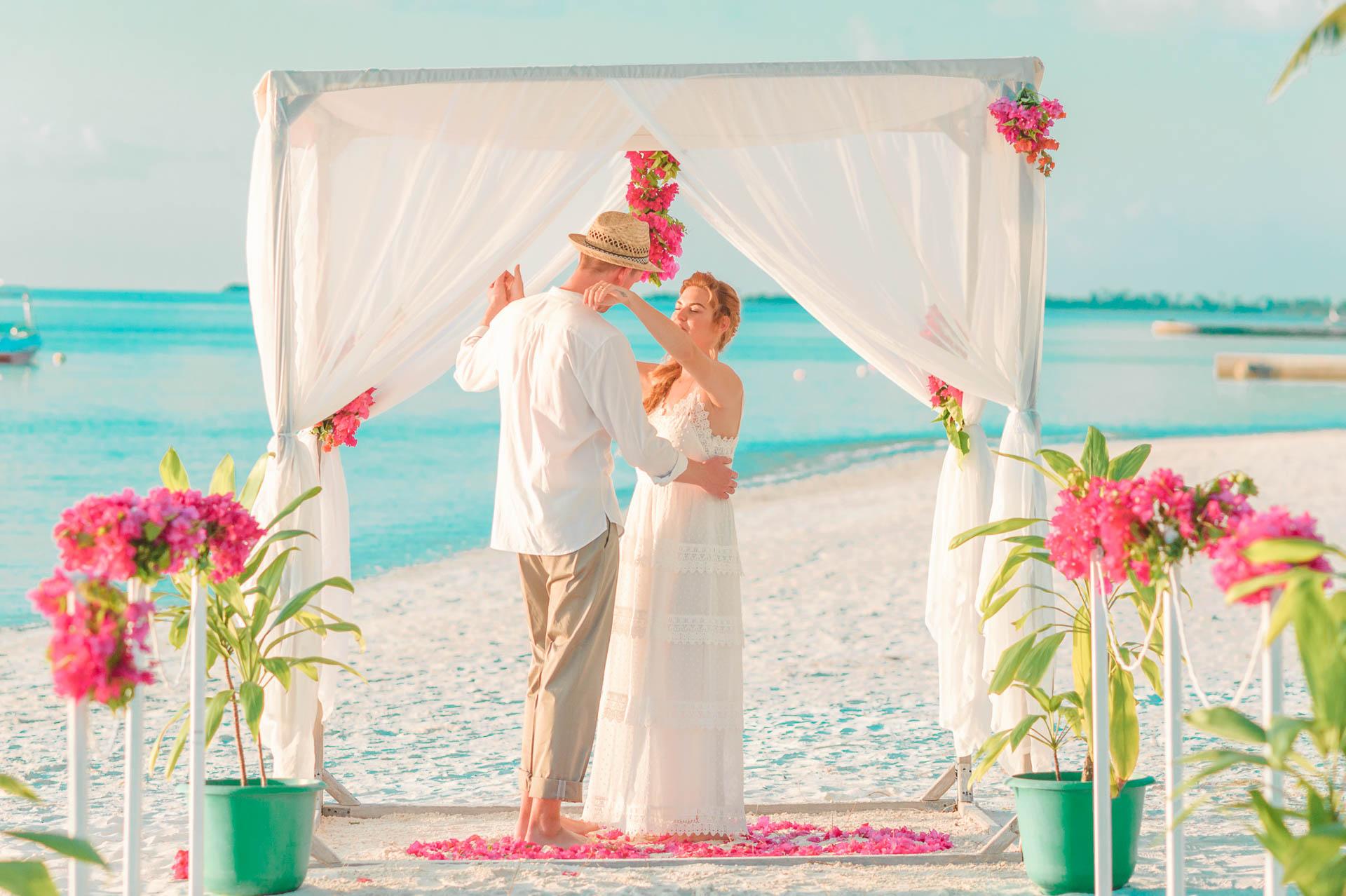 Heike Michaels Beach Wedding in Maldives 40