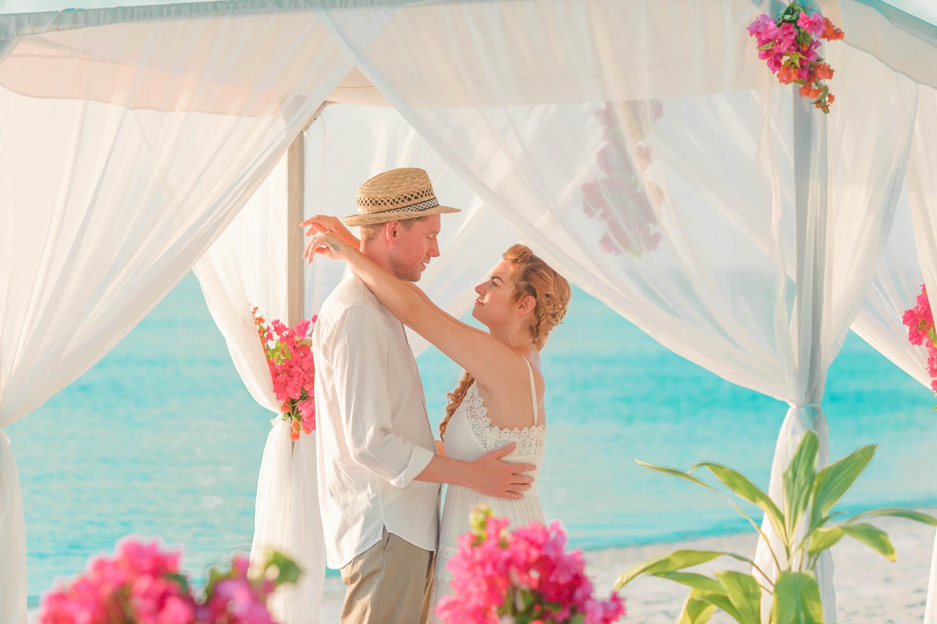 Heike Michaels Beach Wedding in Maldives 41