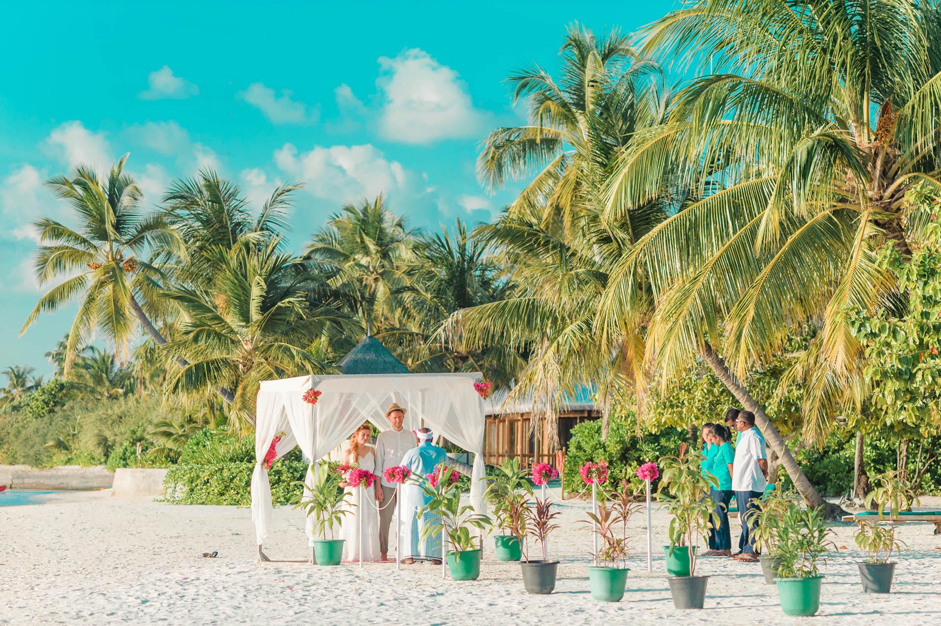 Heike Michaels Beach Wedding in Maldives 48