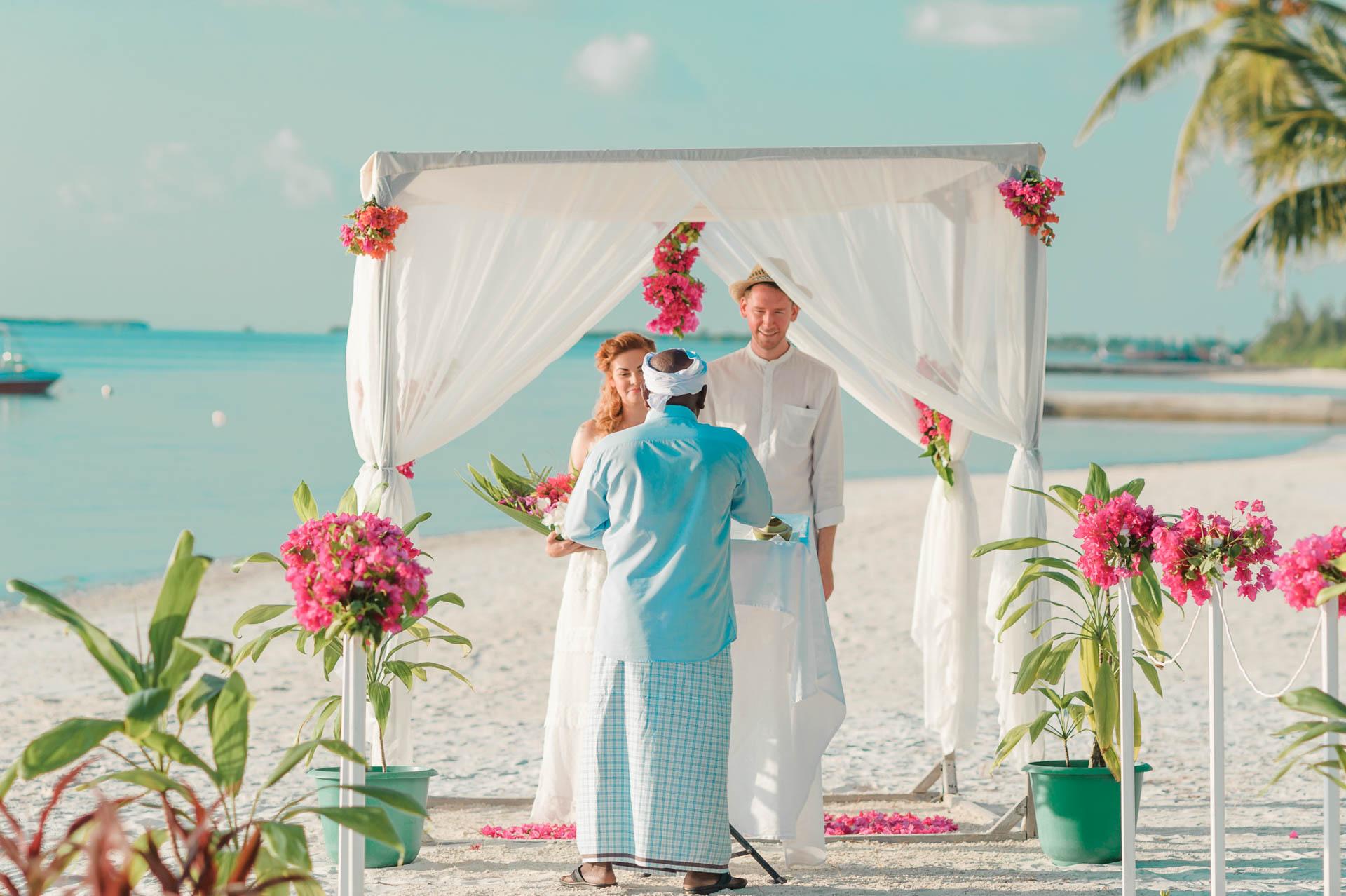 Heike Michaels Beach Wedding in Maldives 49