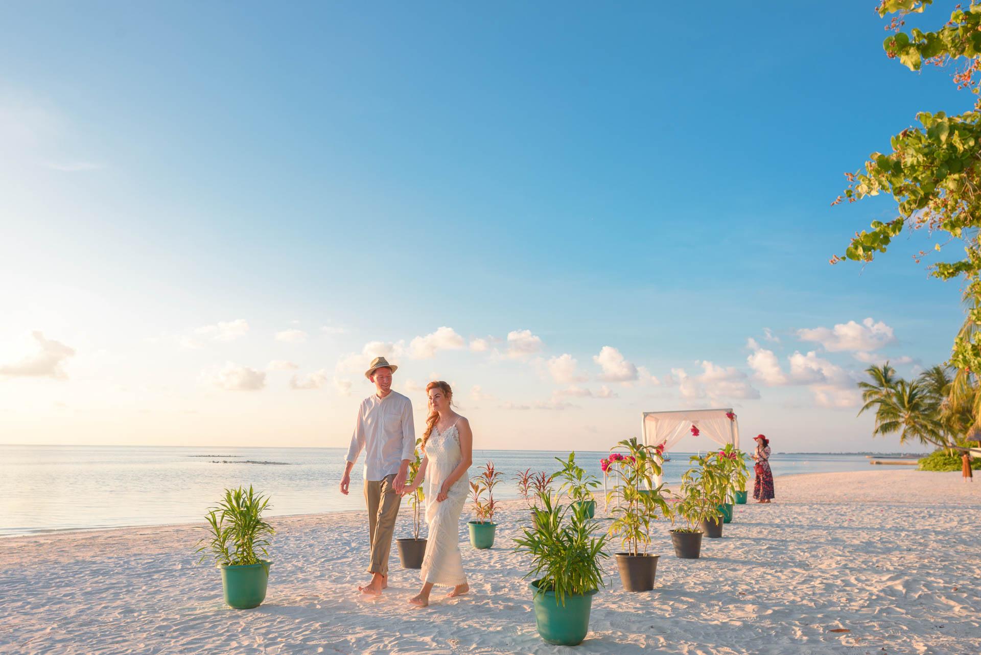 Heike Michaels Beach Wedding in Maldives 5