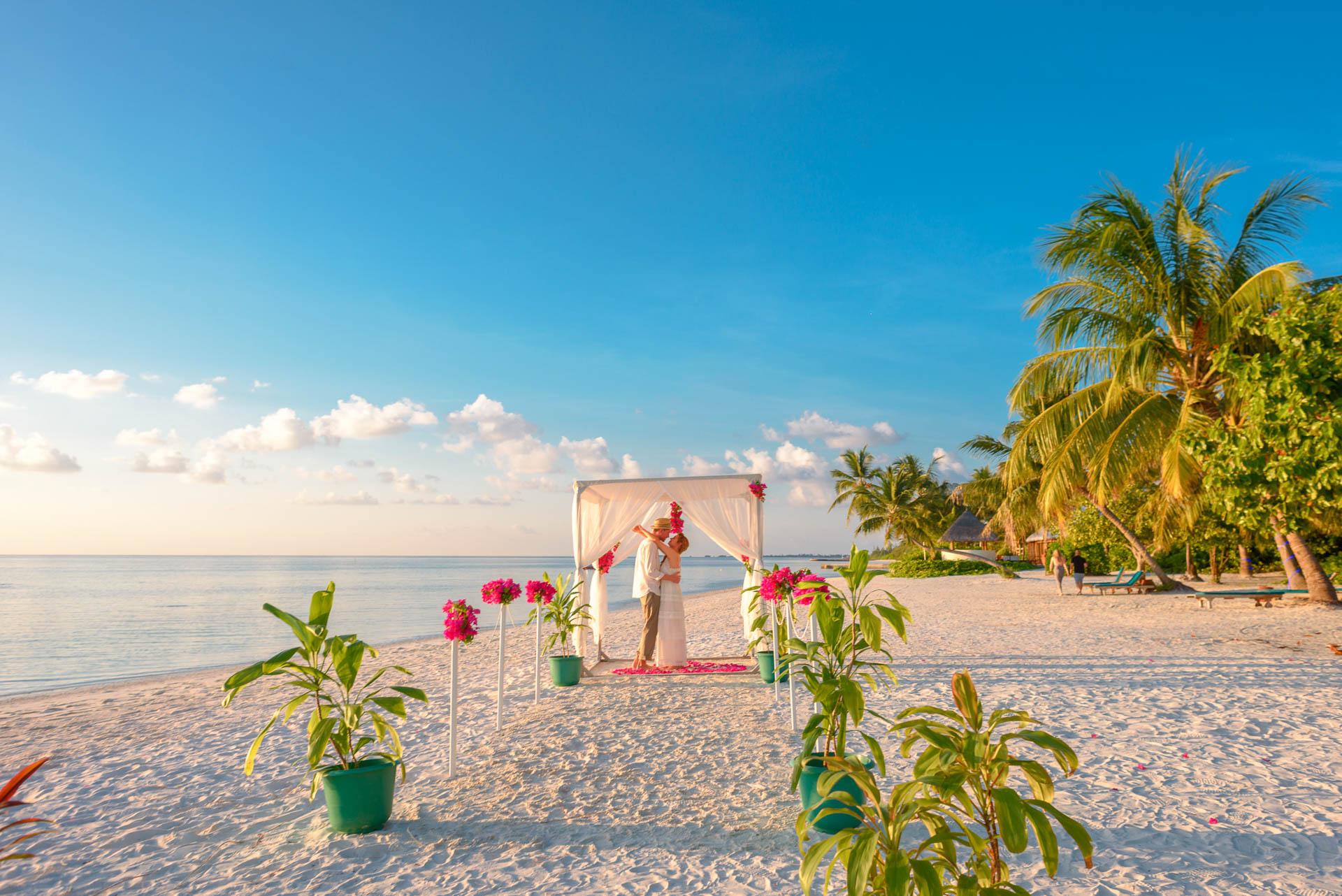 Heike Michaels Beach Wedding in Maldives 6