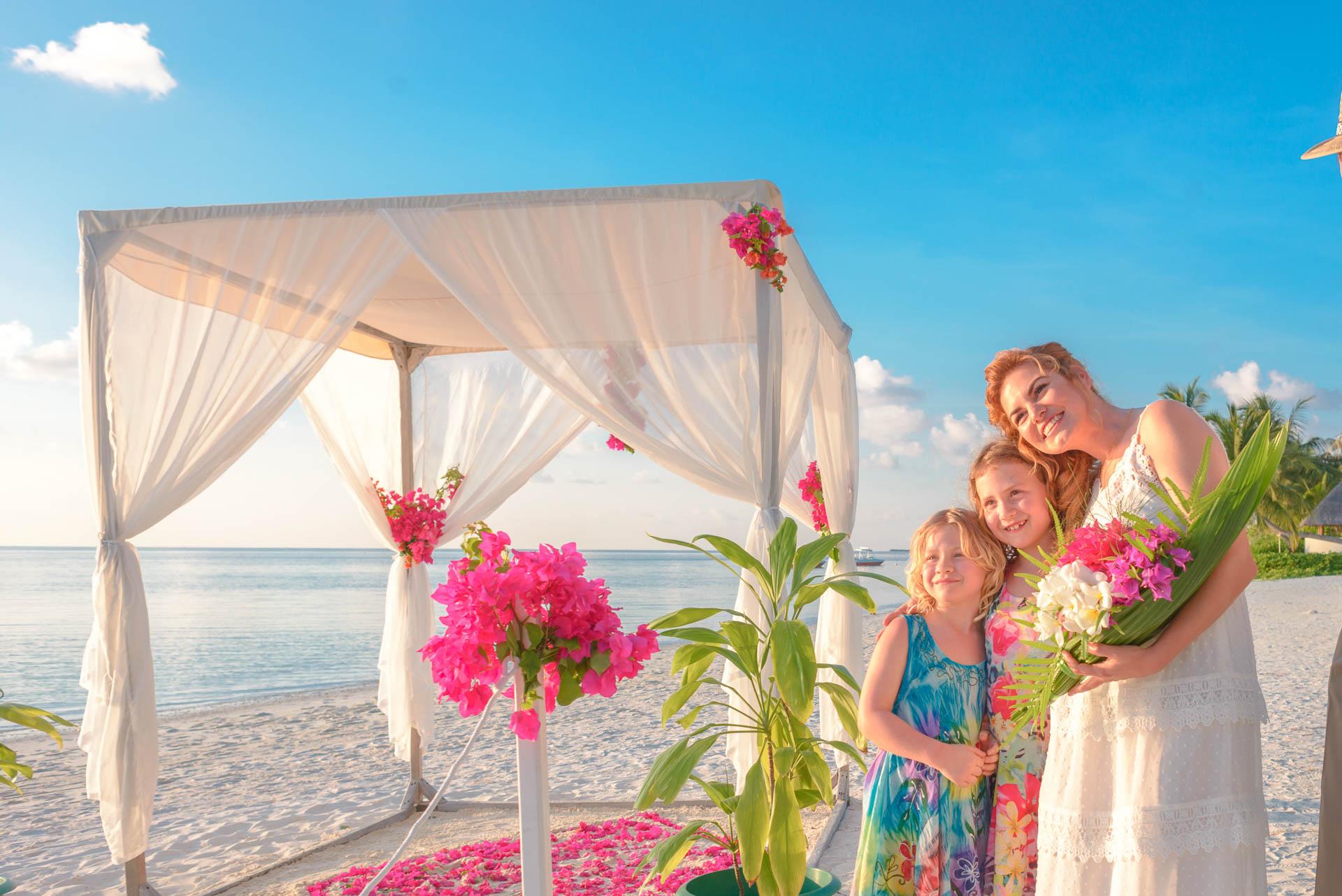 Heike Michaels Beach Wedding in Maldives 8