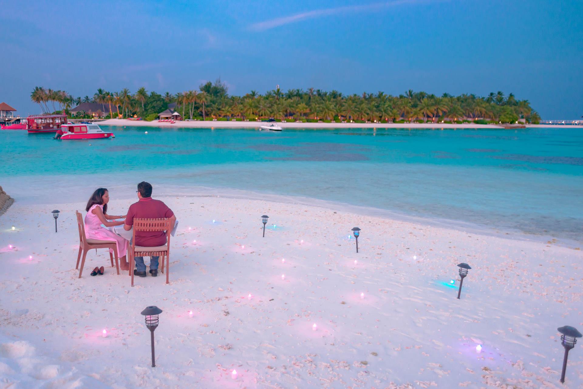 Iyad and Shabneez Honeymoon at Centara Grand 3
