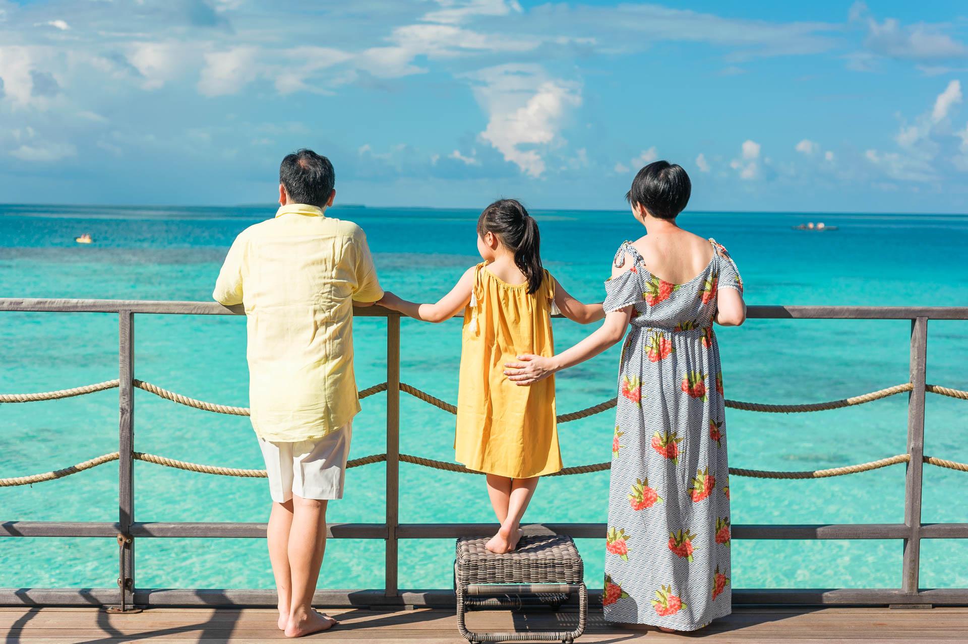 Jos Extended Family at Constance Moofushi Maldives 33