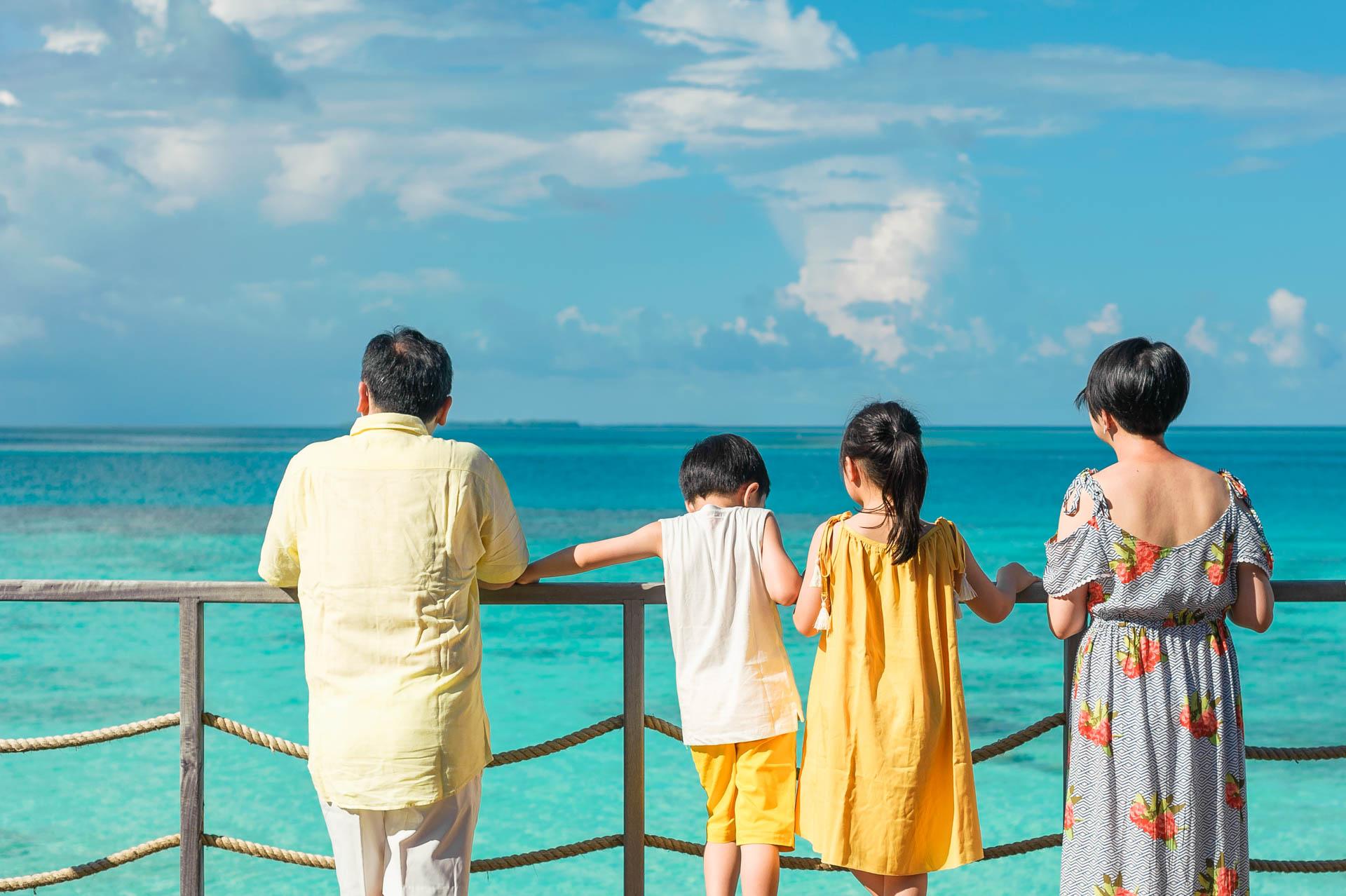Jos Extended Family at Constance Moofushi Maldives 34