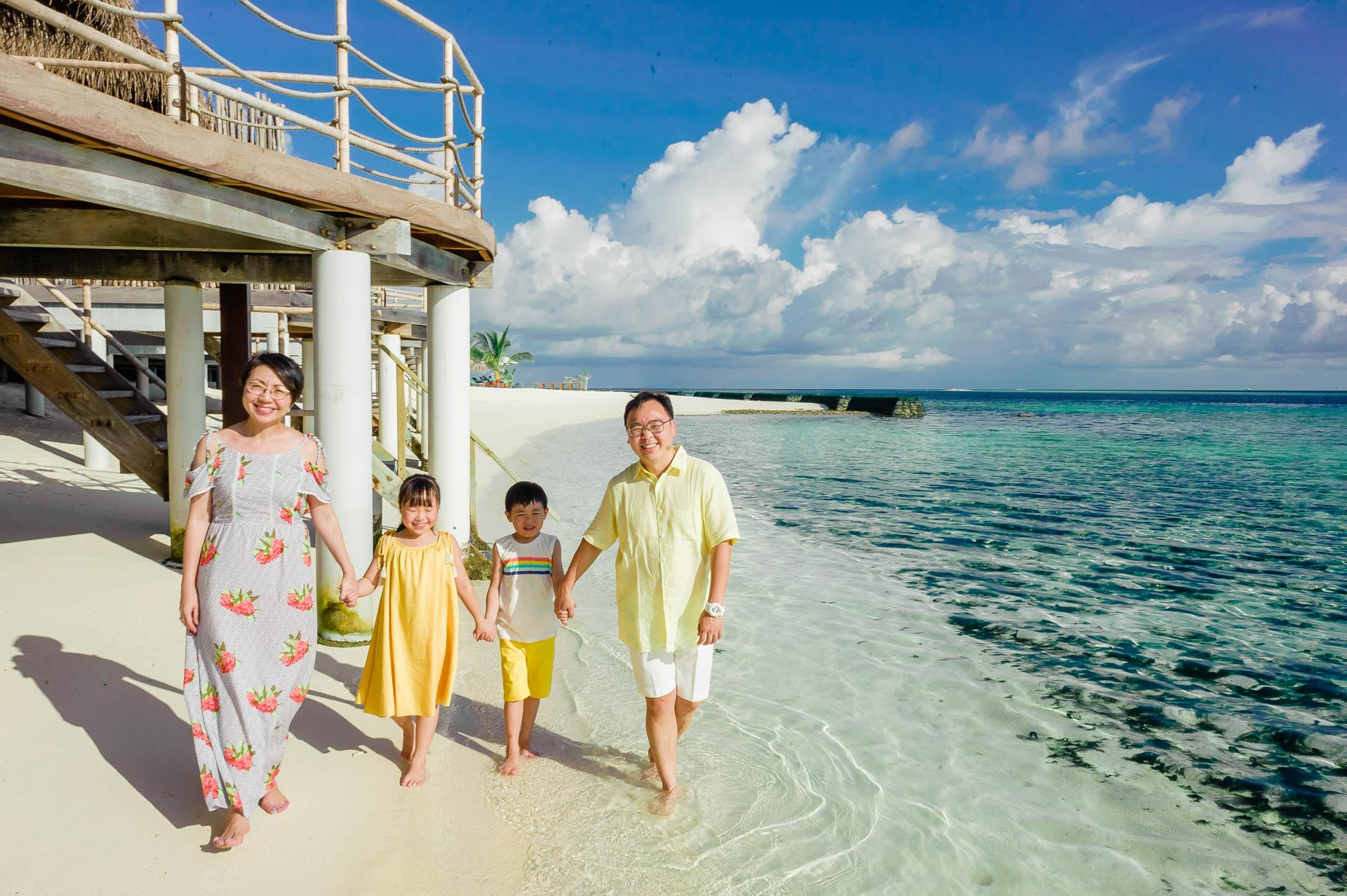 Jos Extended Family at Constance Moofushi Maldives 39
