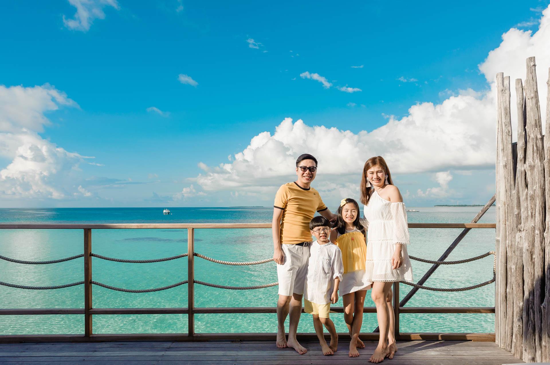 Jos Extended Family at Constance Moofushi Maldives 51