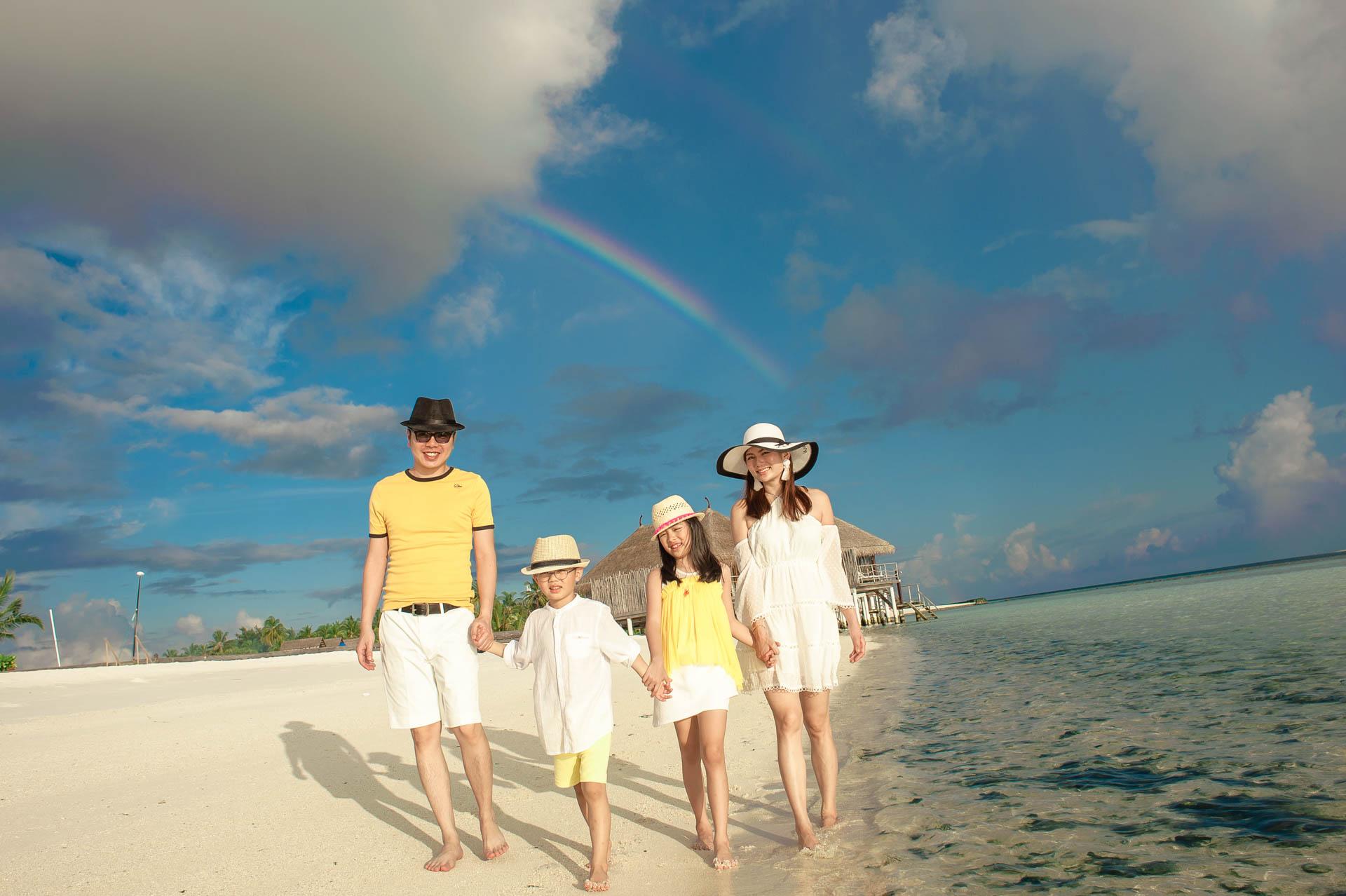 Jos Extended Family at Constance Moofushi Maldives 57