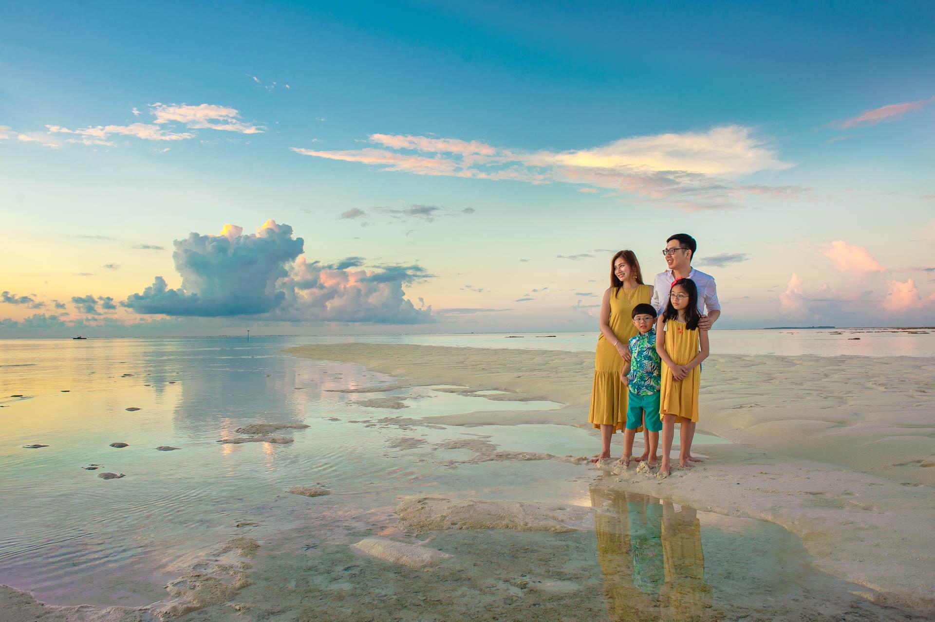 Jos Extended Family at Constance Moofushi Maldives 58