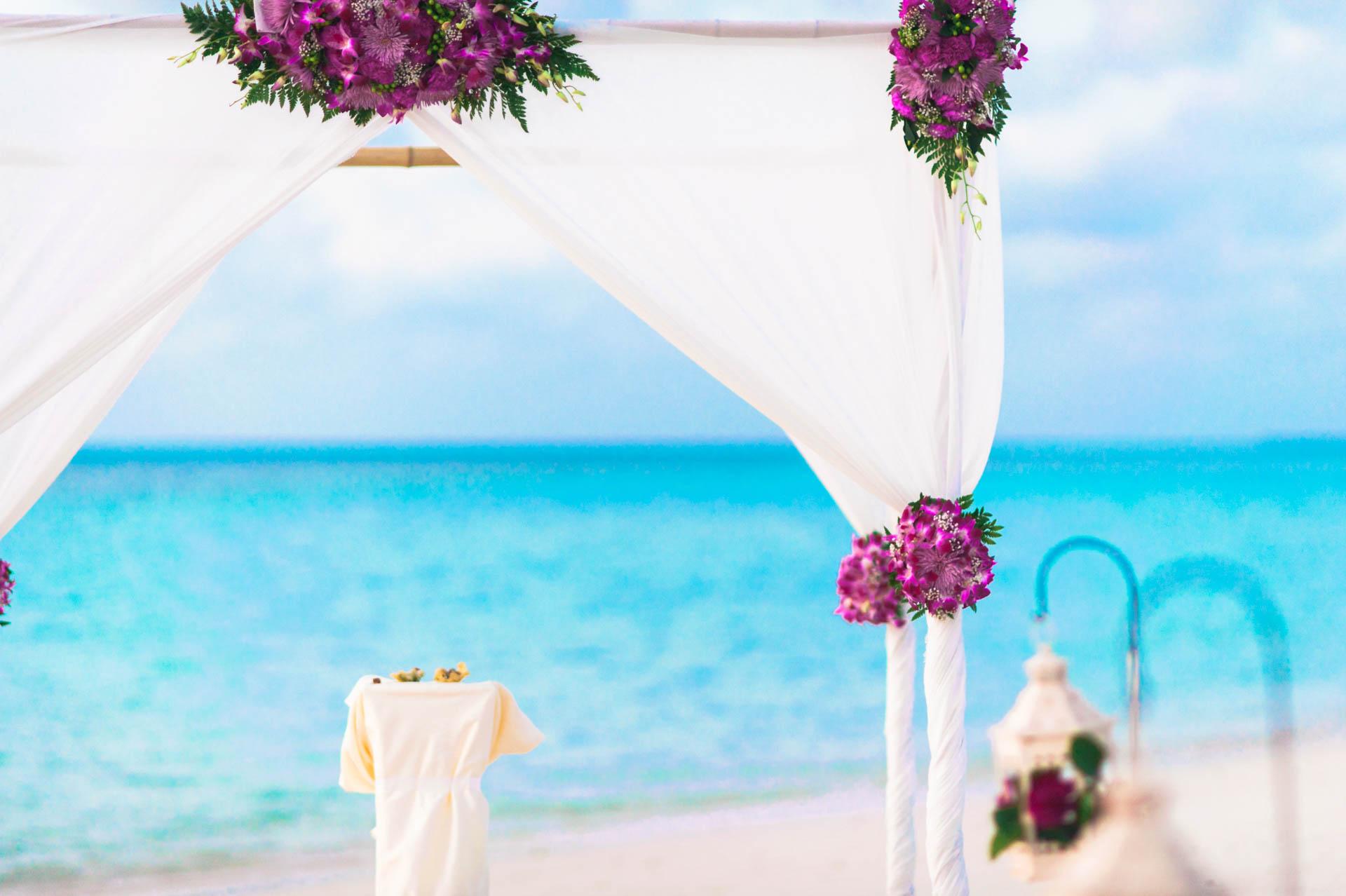 Kang Kim Sand Bank Wedding at St Regis Vommuly Maldives 16