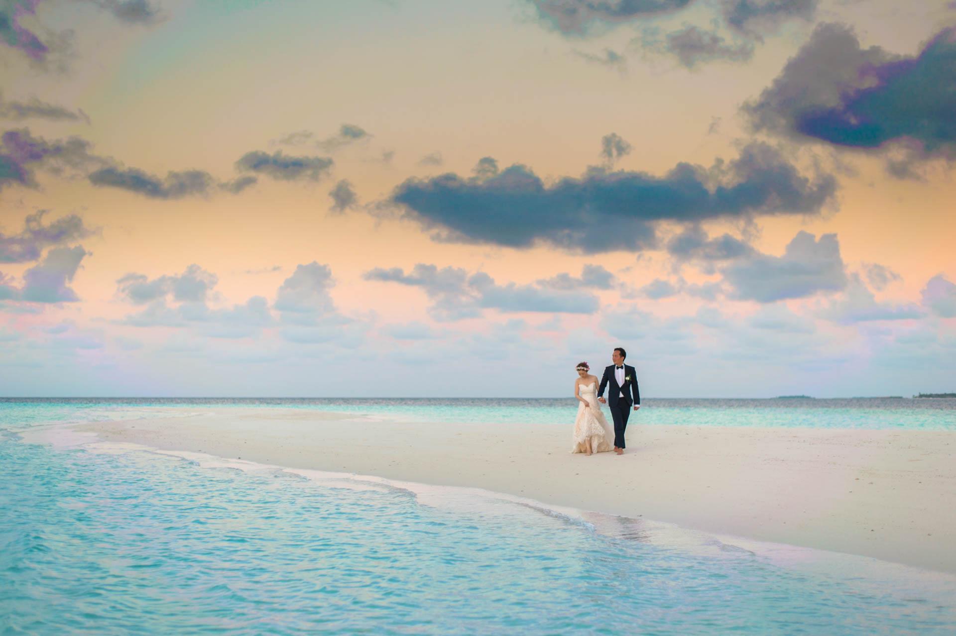 Kang Kim Sand Bank Wedding at St Regis Vommuly Maldives 17