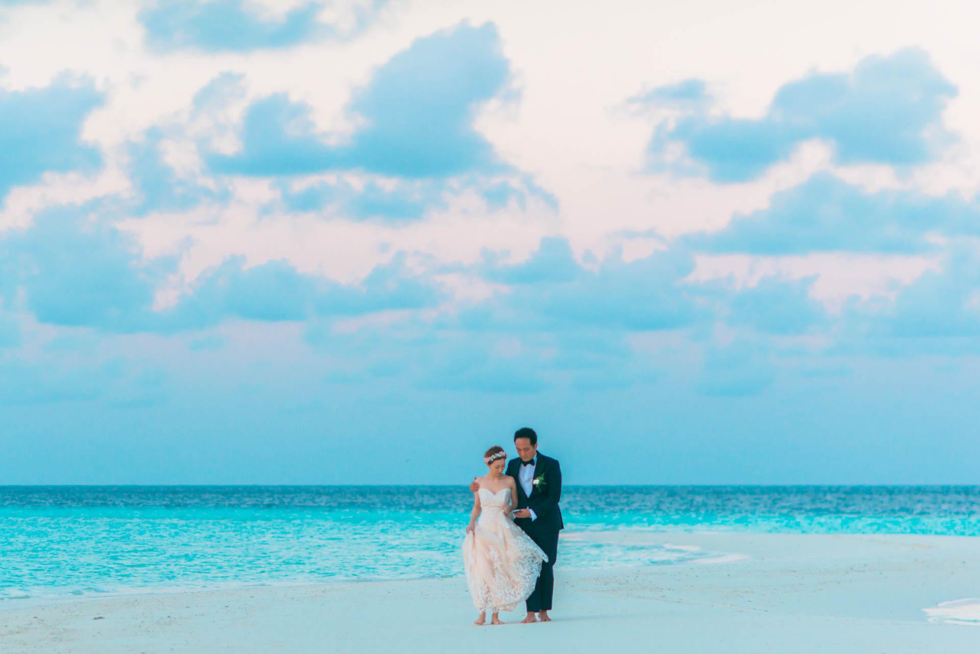 Kang Kim Sand Bank Wedding at St Regis Vommuly Maldives 7