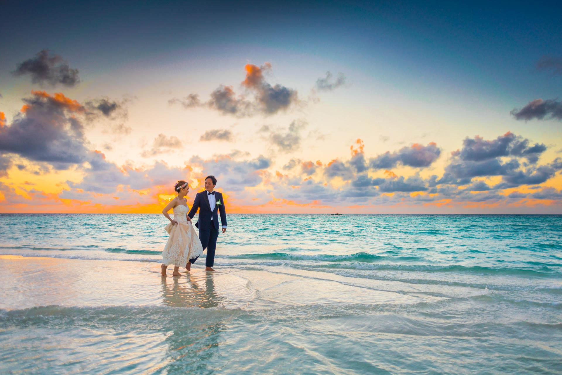 Kang Kim Sand Bank Wedding at St Regis Vommuly Maldives 8
