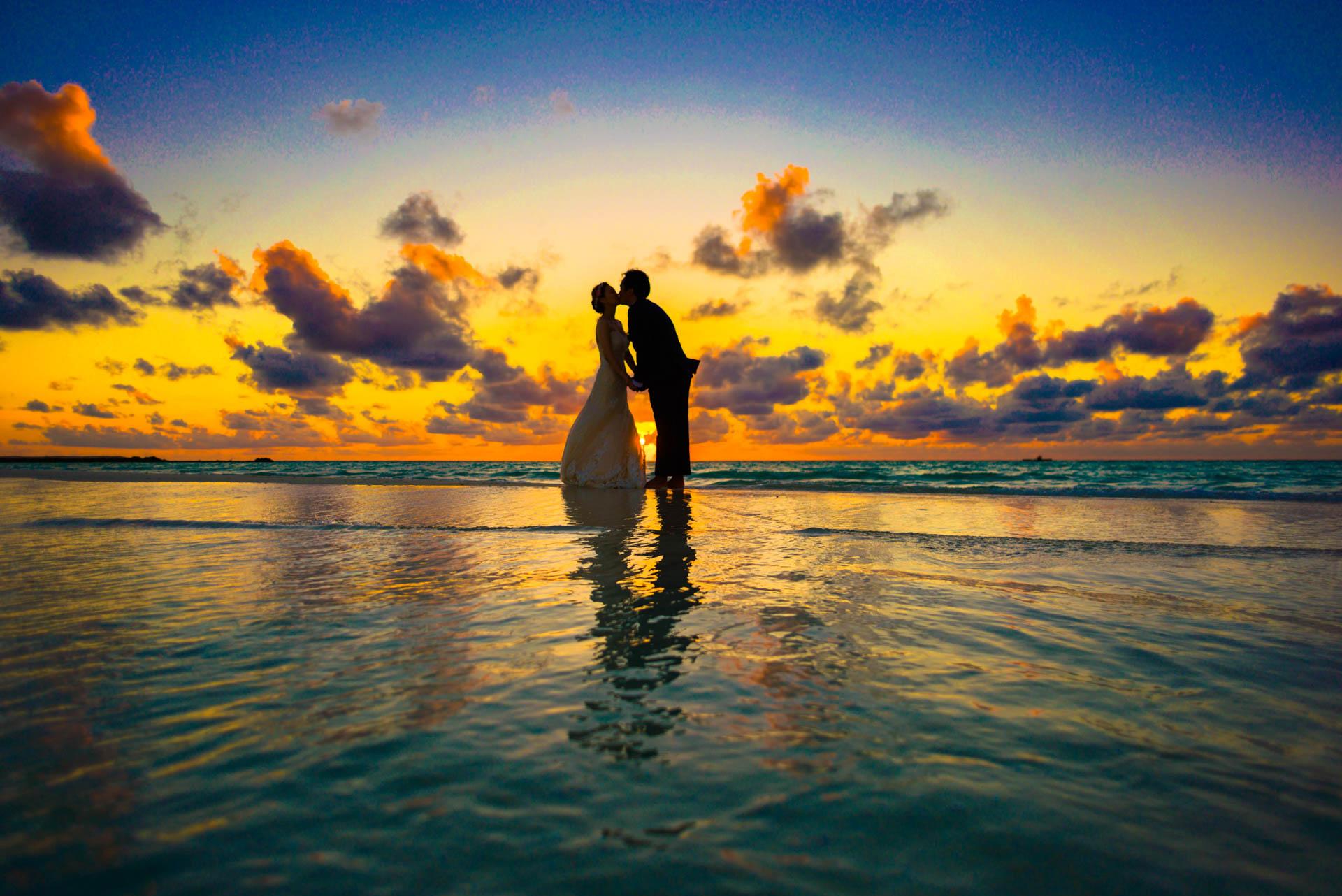 Kang Kim Sand Bank Wedding at St Regis Vommuly Maldives 9