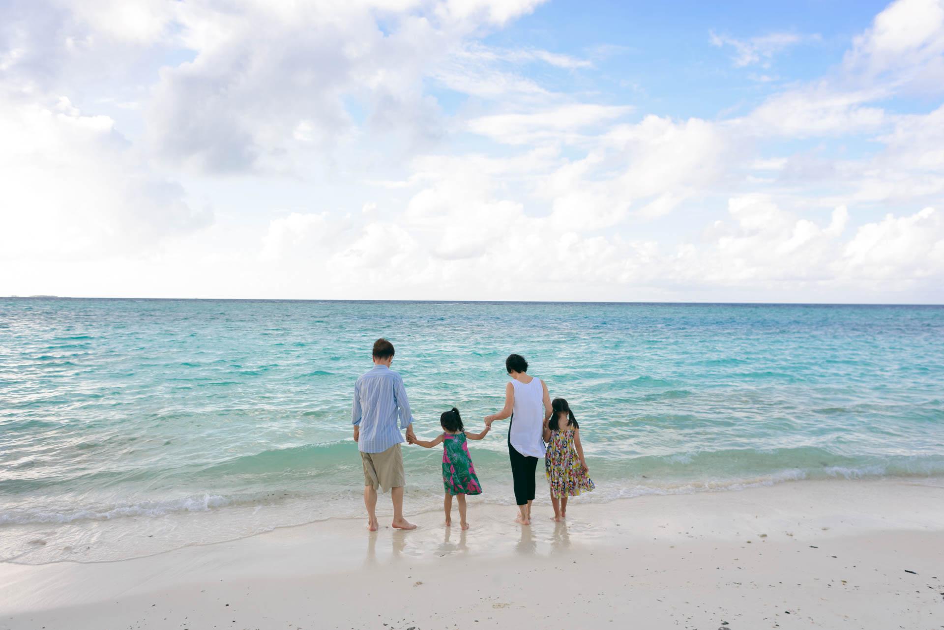 Mr Koo Family at Four Seasons Landaagiraavaru 4