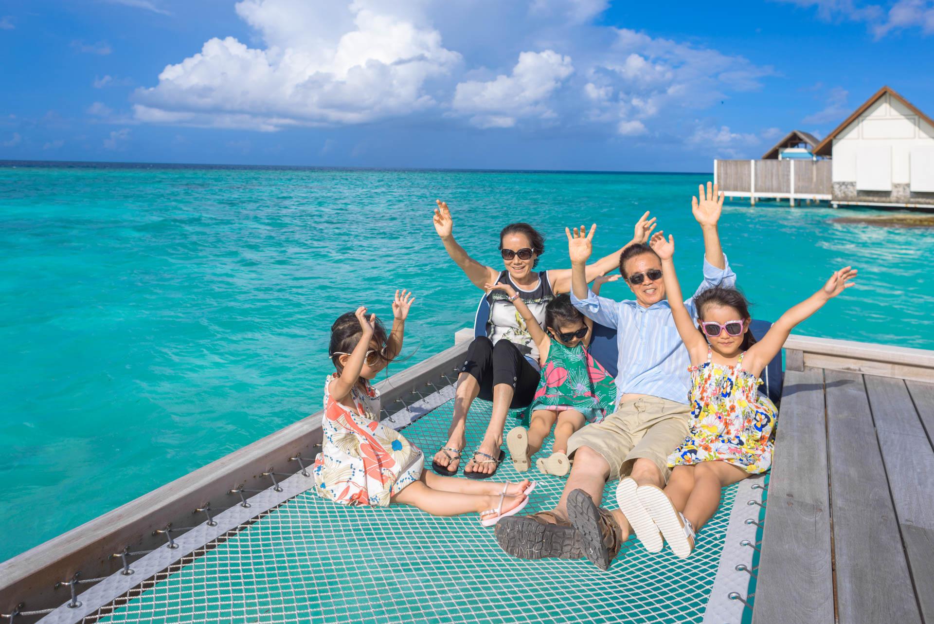 Mr Koo Family at Four Seasons Landaagiraavaru 5