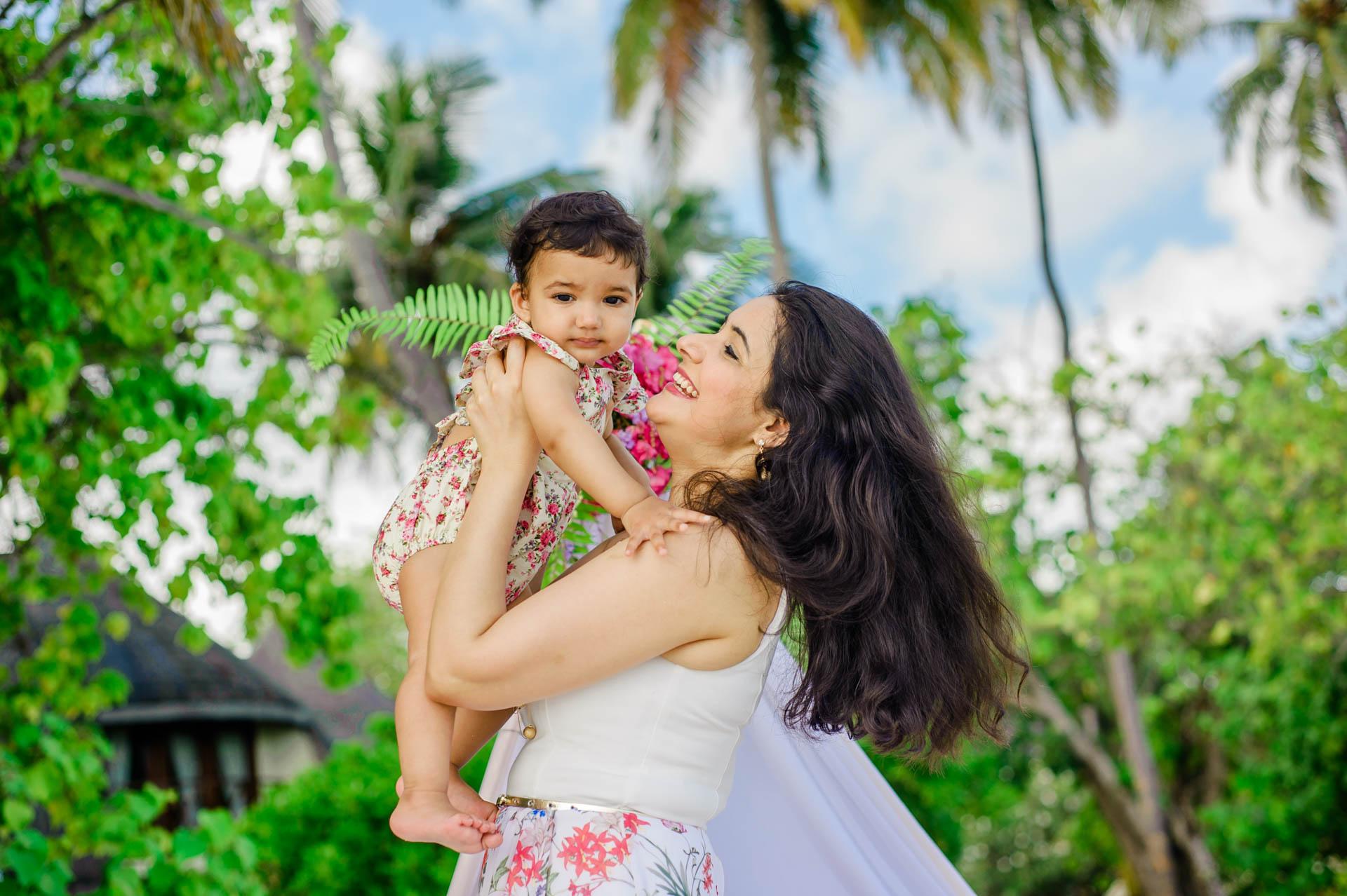 Rakhi and Anubhav Family at Bandos Maldives 13