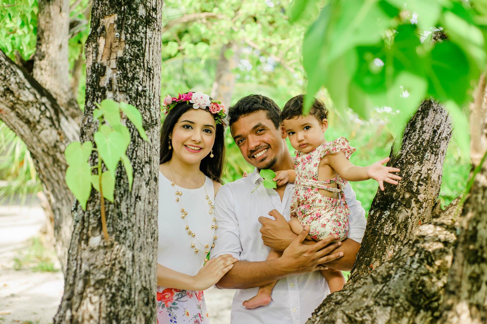Rakhi and Anubhav Family at Bandos Maldives 15