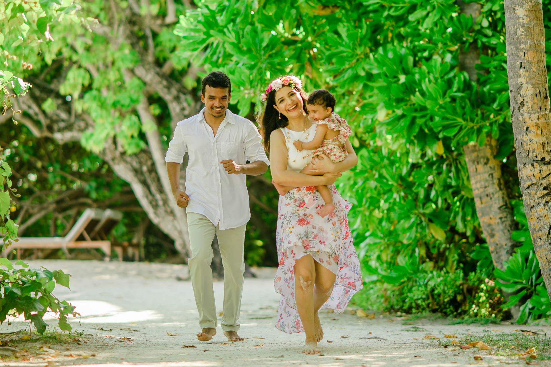 Rakhi and Anubhav Family at Bandos Maldives 16