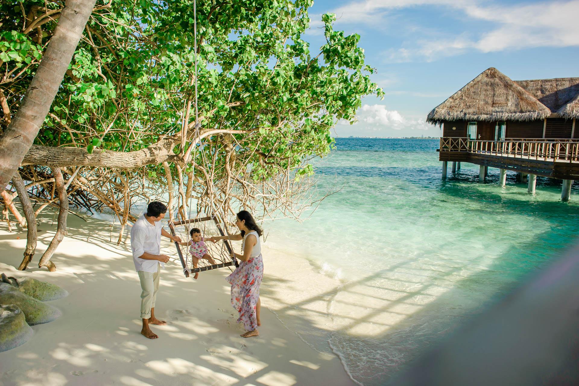 Rakhi and Anubhav Family at Bandos Maldives 21