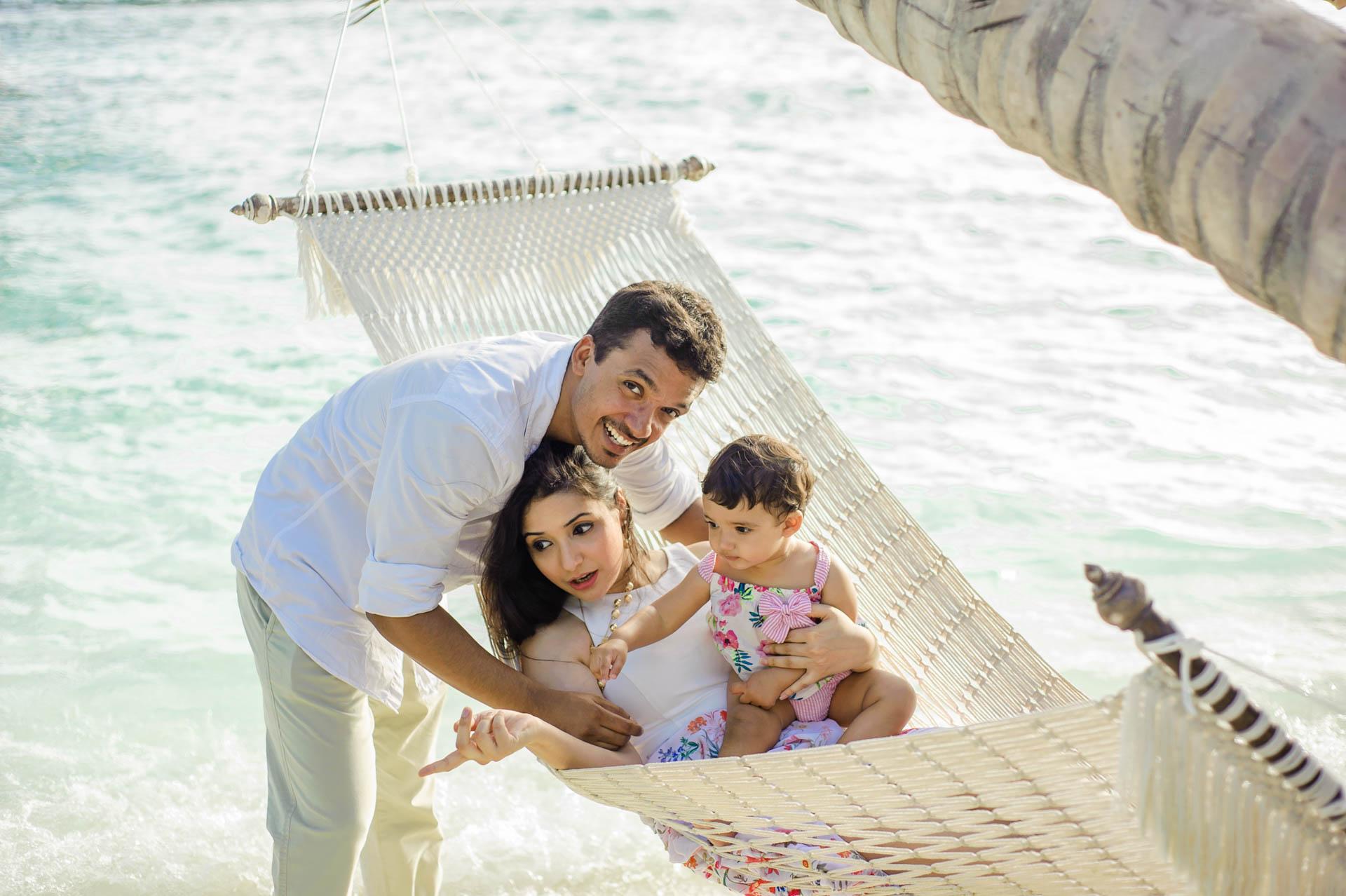 Rakhi and Anubhav Family at Bandos Maldives 29